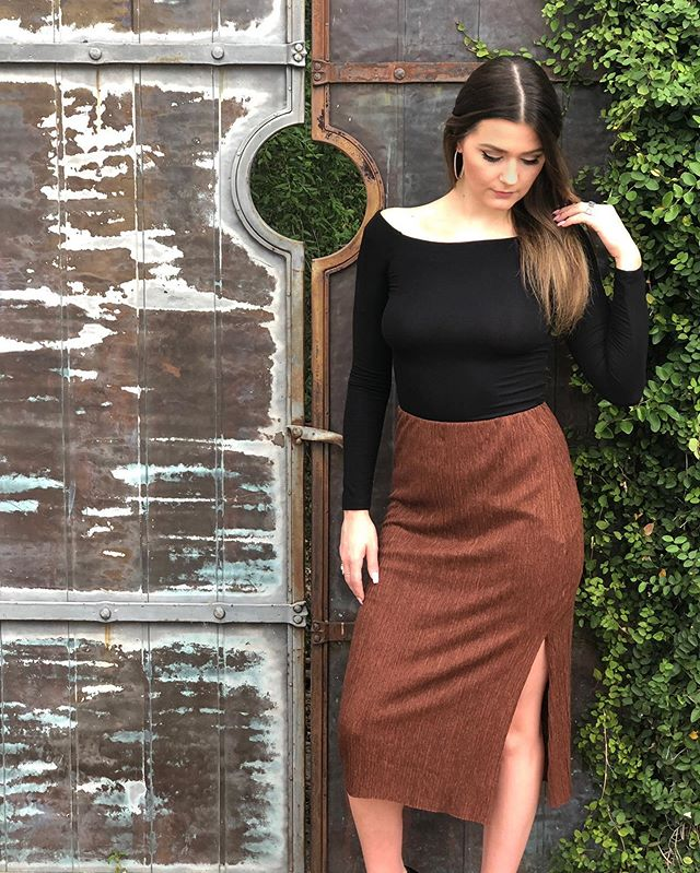 This midi skirt by @lushclothing is our new fall favorite! Shop all of our new arrivals in store now or call to purchase anything you see on our feed!