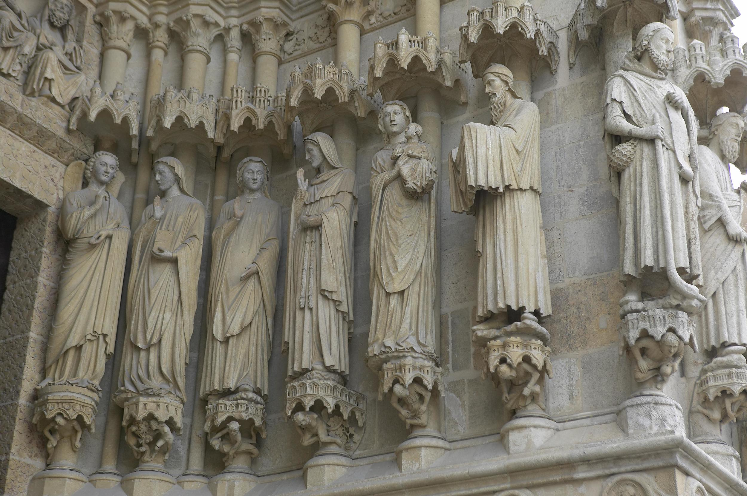Jamb Figures: the Annunciation, the Visitation, and the Presentation in the Temple
