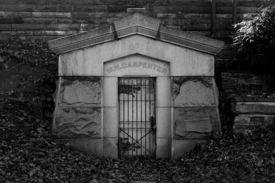 Elmwood Cemetery in Detroit - The Midwestival