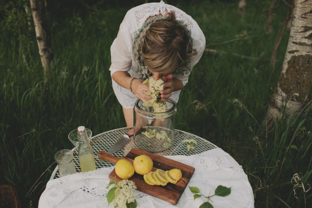 Elderflower Cordial by The Midwestival