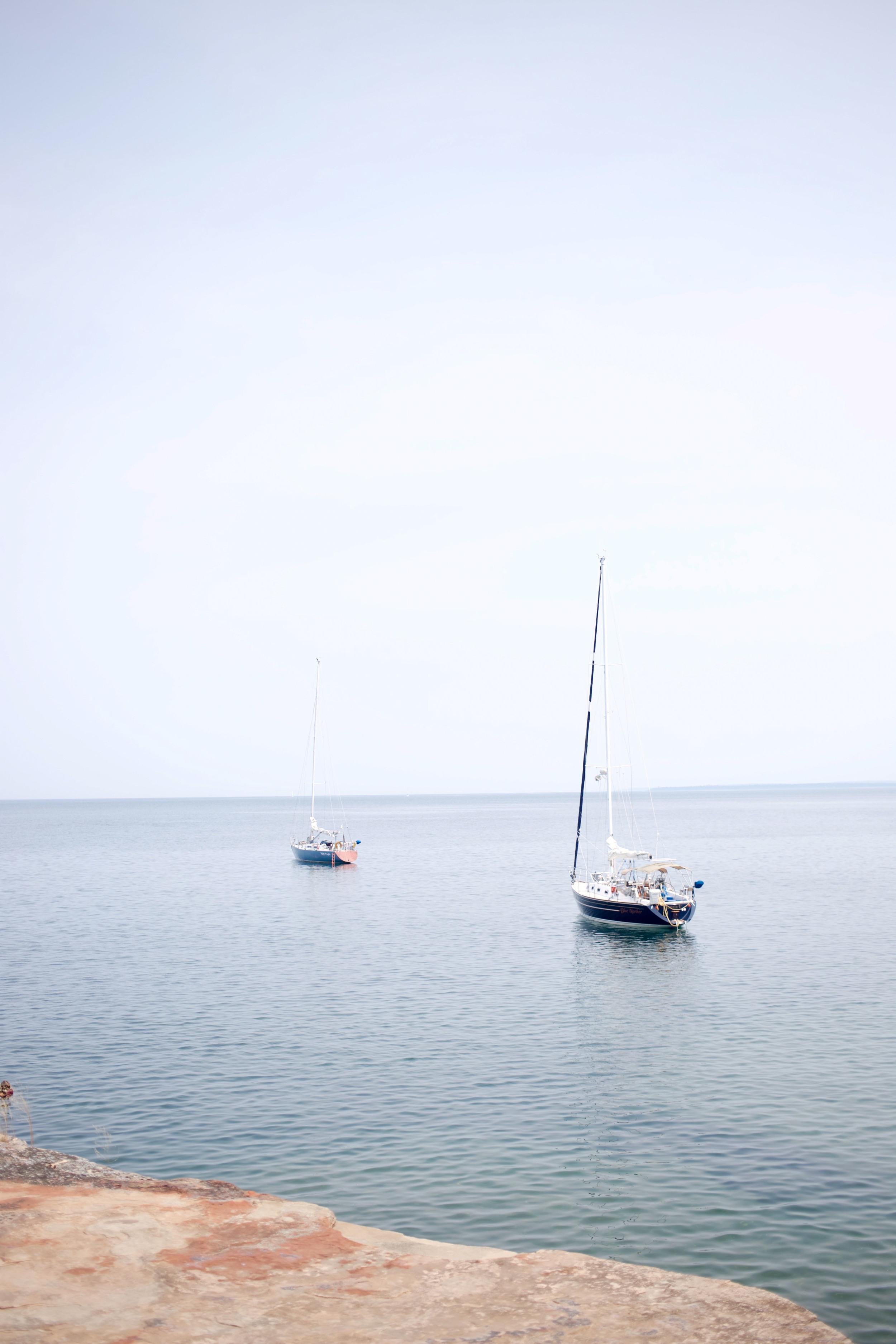 Sailing at Devil's Island - Lake Superior