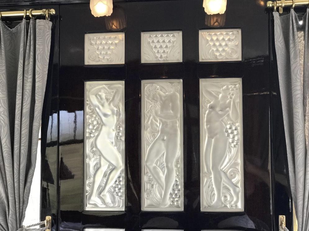 Lalique glass decoration