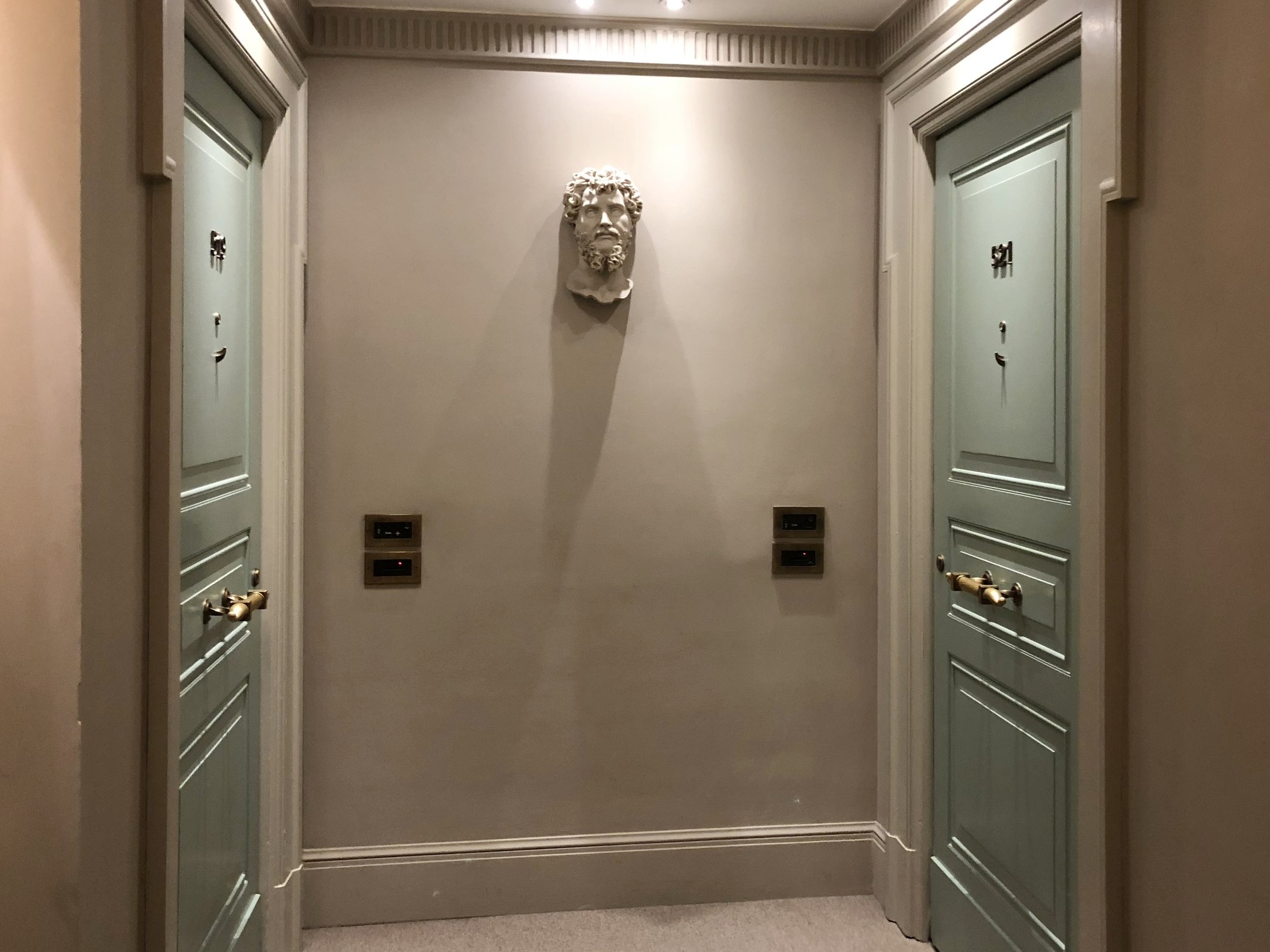 Hallway decorated with Roman elements