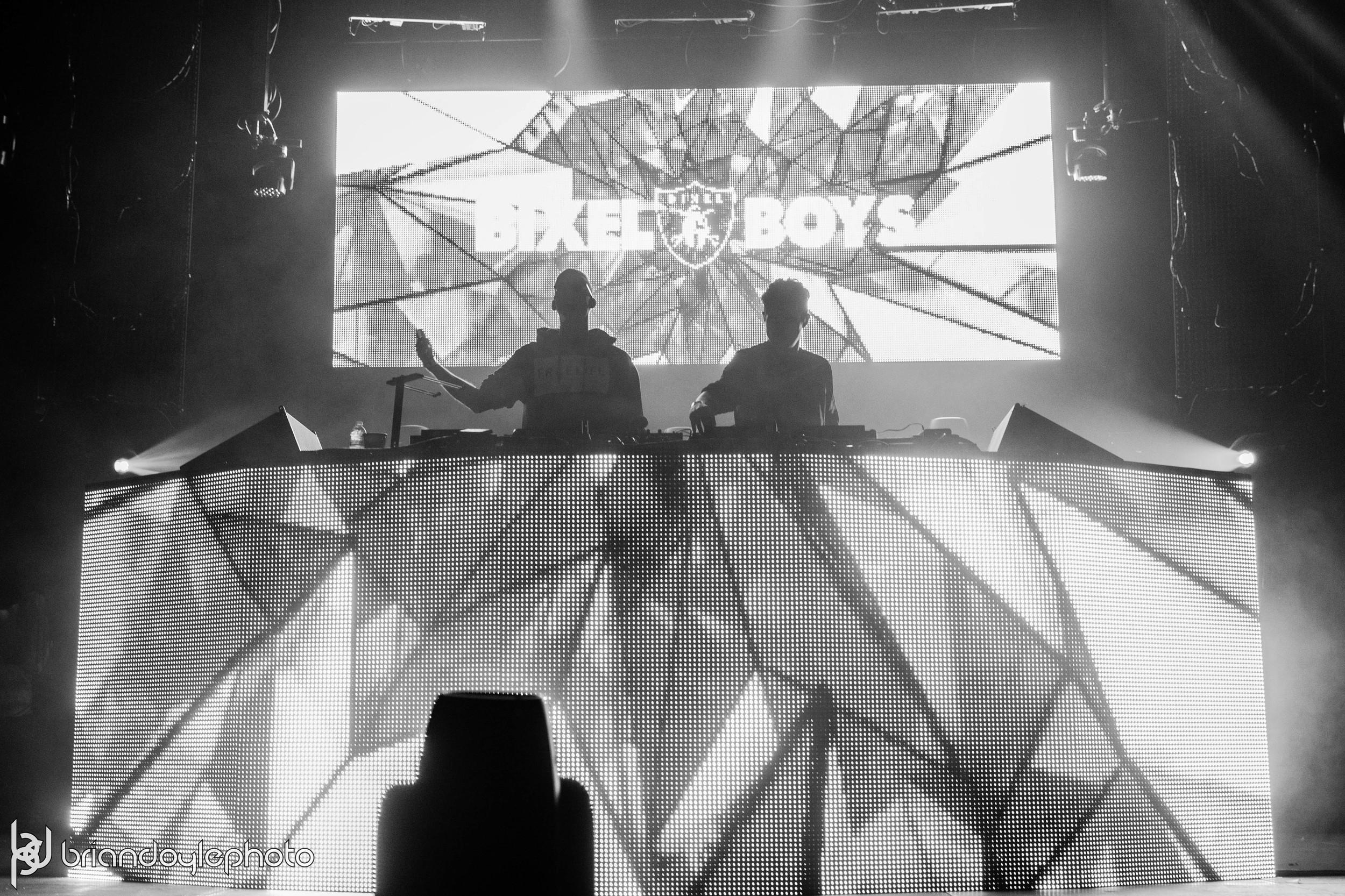 OMFG NYE 2015 LA - Deorro, Madeon, What So Not, Ookay, Paris Blohm, Bixel Boys 2014.12.30 -1.jpg