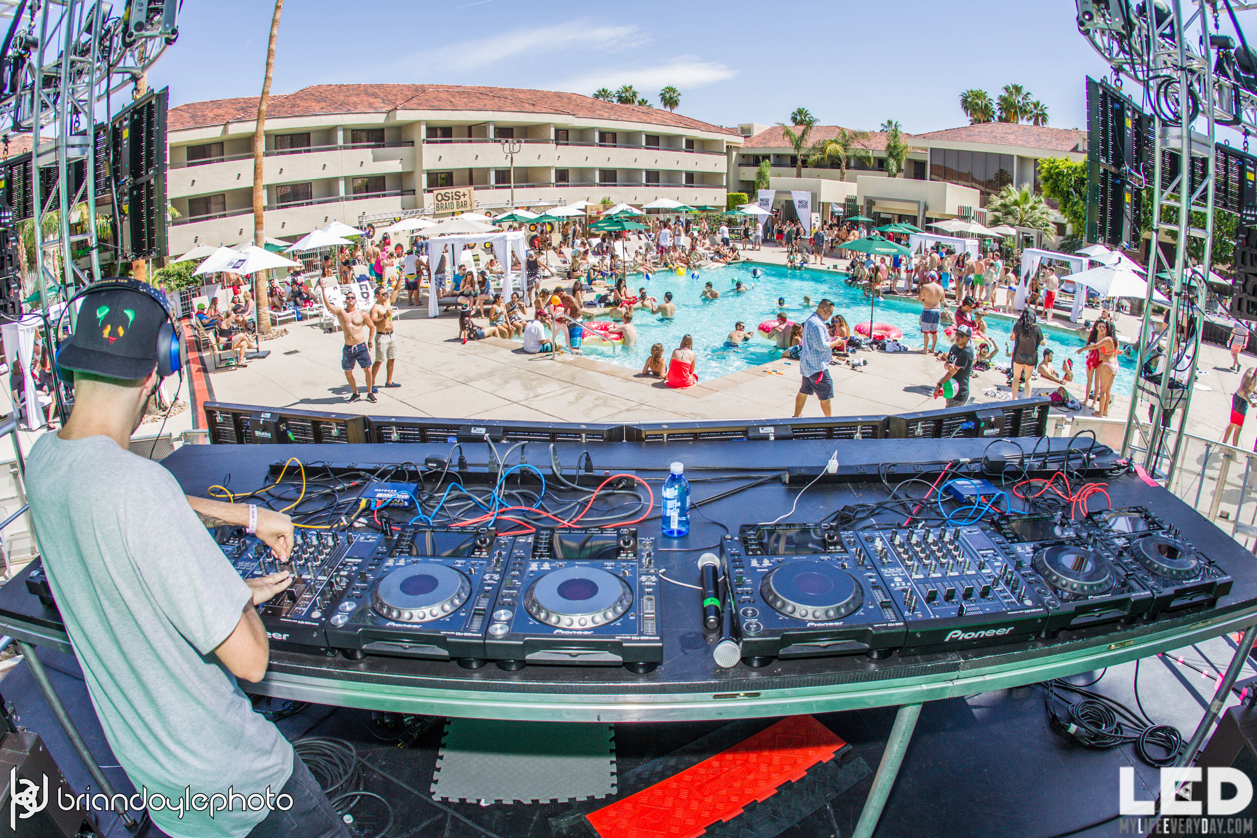 LED Day Club Day 2  Deorro and Chris 04.10.2015-13.jpg