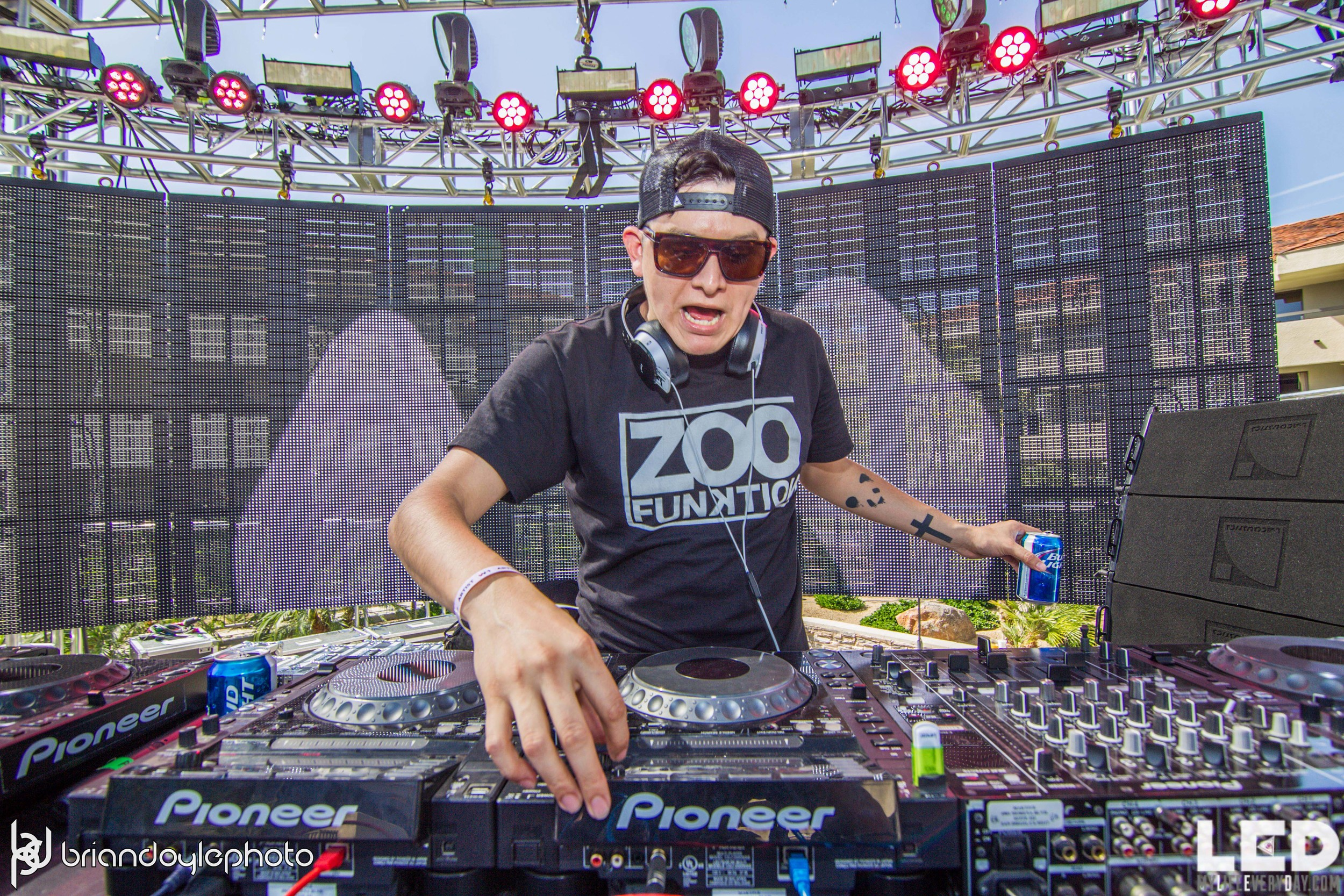 LED Day Club Day 2  Deorro and Chris 04.10.2015-18.jpg