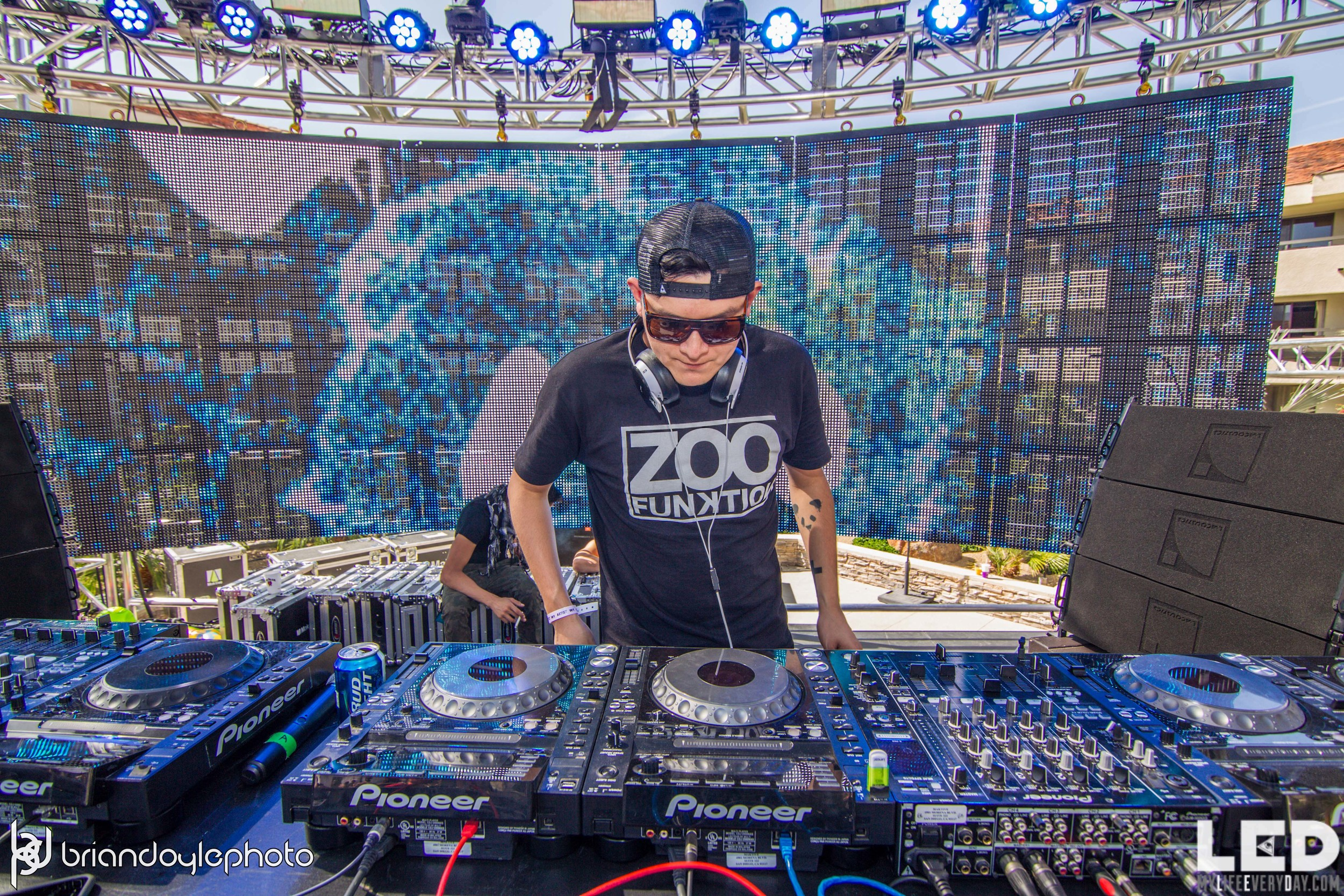 LED Day Club Day 2  Deorro and Chris 04.10.2015-19.jpg