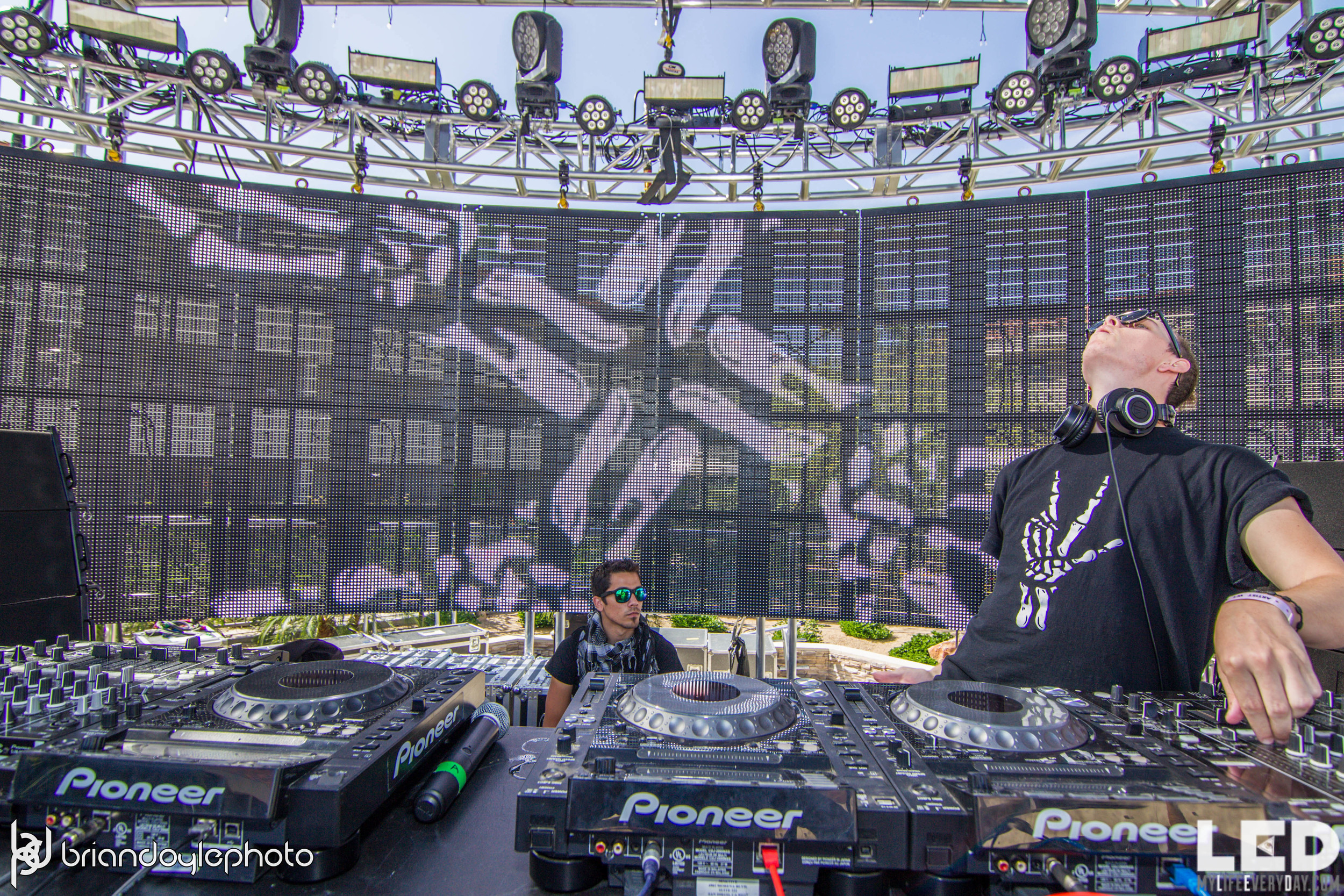 LED Day Club Day 2  Deorro and Chris 04.10.2015-25.jpg