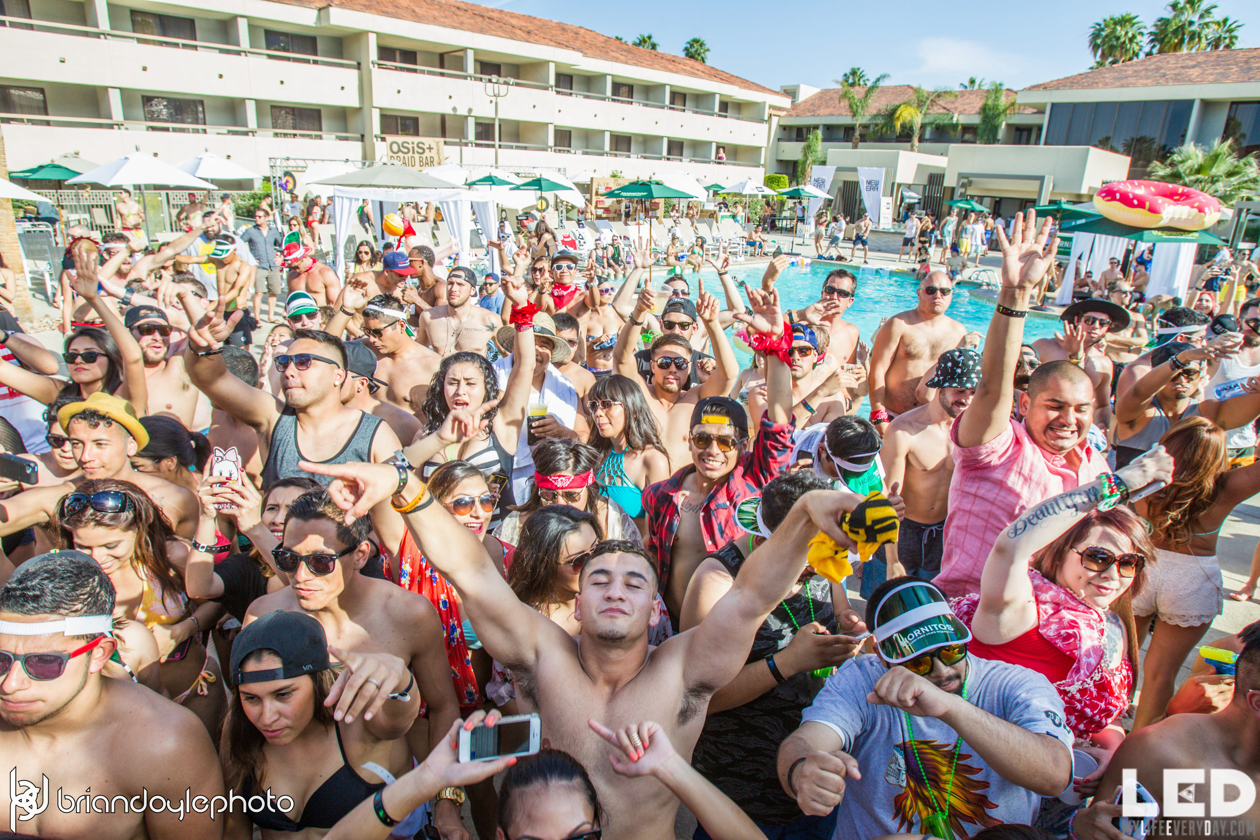 LED Day Club Day 2  Deorro and Chris 04.10.2015-46.jpg