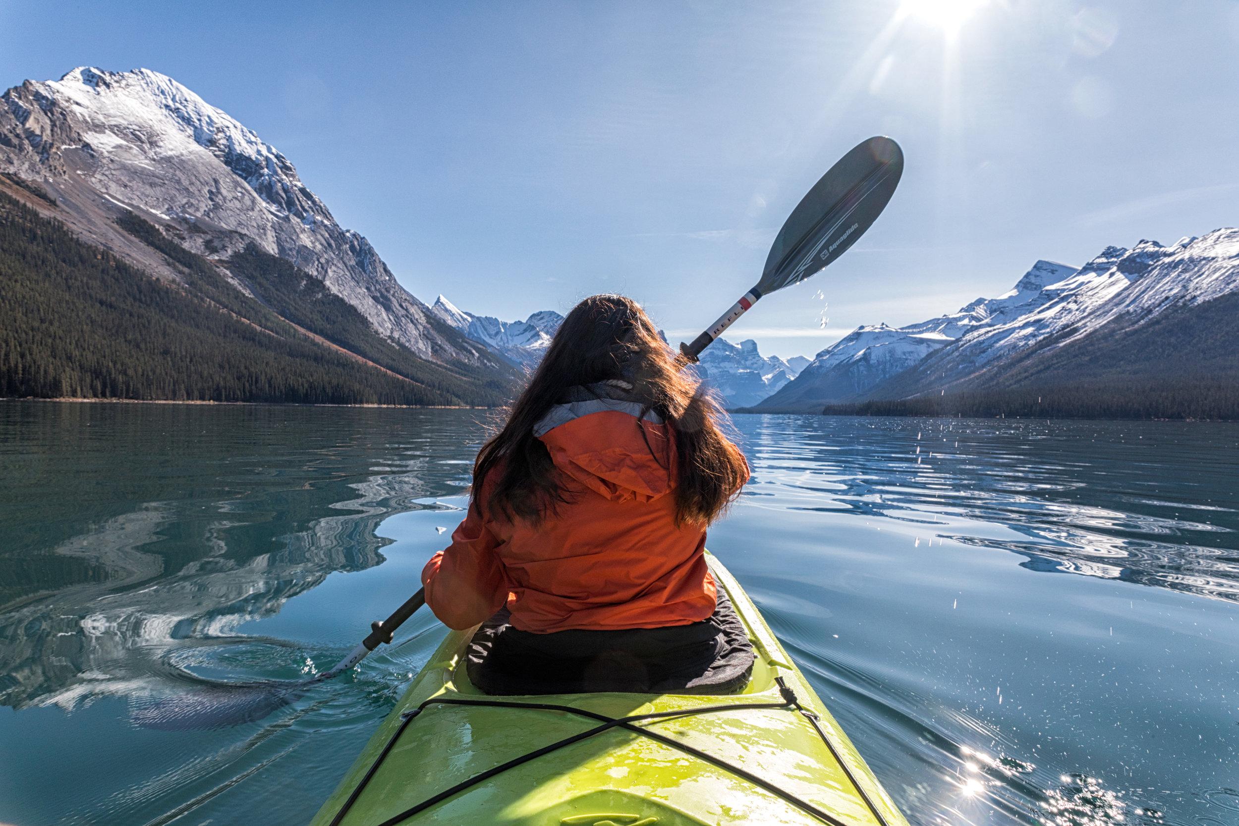 Maligne-Lake-Kayak-5865.jpg