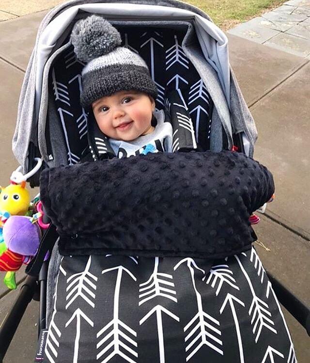 Warm & snuggly in my Footmuff!! 🖤One super smiley little man 💕☃️ Thanks so much for the 📸@melissatripolino 👏 . . . . . #pramliners #pramfootmuff #footmuff #strollerliner #winterbaby #babyaccesories #pram #babyshower  #baby #pramstyle #pimpmypram