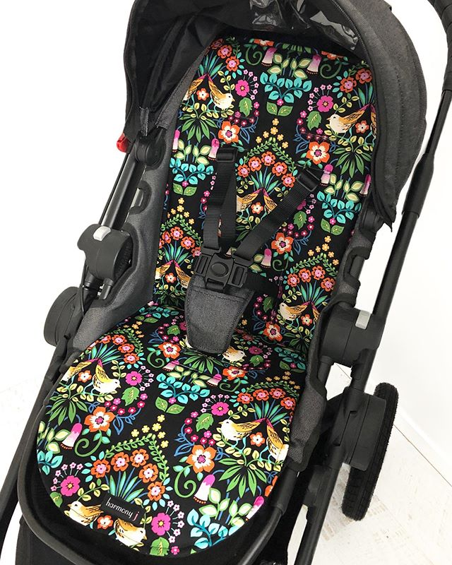 💐 Lovey Dovey in Black 💐 UNIVERSAL Pram Liner from $39!!! We are absolutely loving this fabric right now!! 🙌 Available in 80+ fabrics ✔️ Offer ends midnight 21/8 👏 . . . . . #pramliner #universalpramliner #custompramliner #babystuff #pram #stroller #babyshower #custombaby #pimpmypram #babystyle #