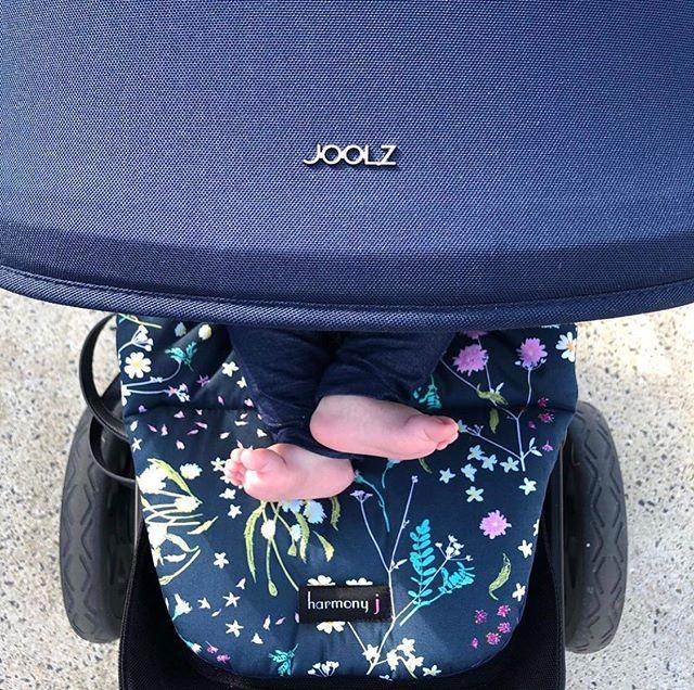 👣🌸 Little Tootsies! 🌸👣 They get me every time 🥰 Gorgeous 📸 by @frankies.sister 💕 . . . . . #joolzhub #joolz #joolzpramliner #pramliners #pram #stroller #custompramliner #pramstyle #baby #babyfloral #babyaccesories #newborn #newmumgift #handmadeaustralia #handmadebaby