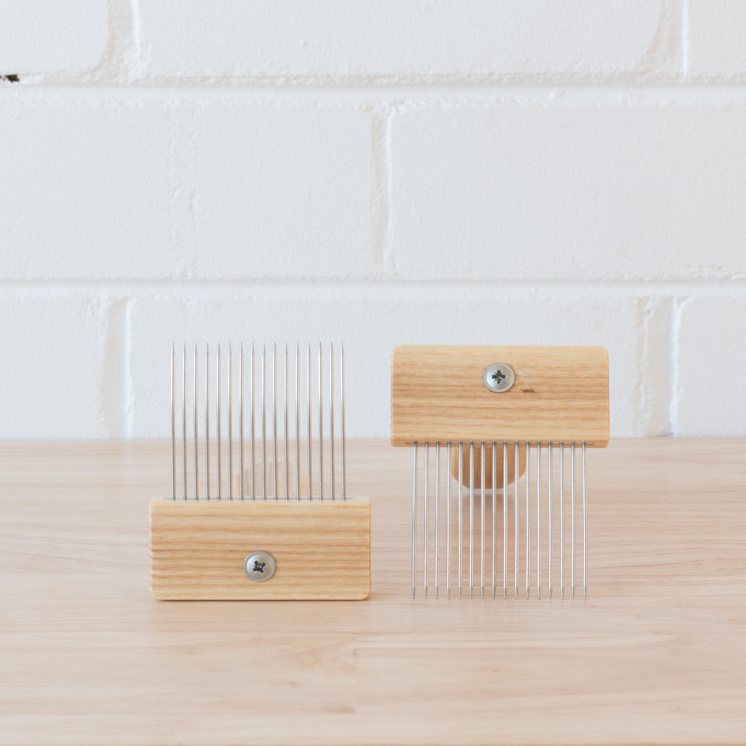 Loom & Spindle - Louet Hand Combs-1.jpg