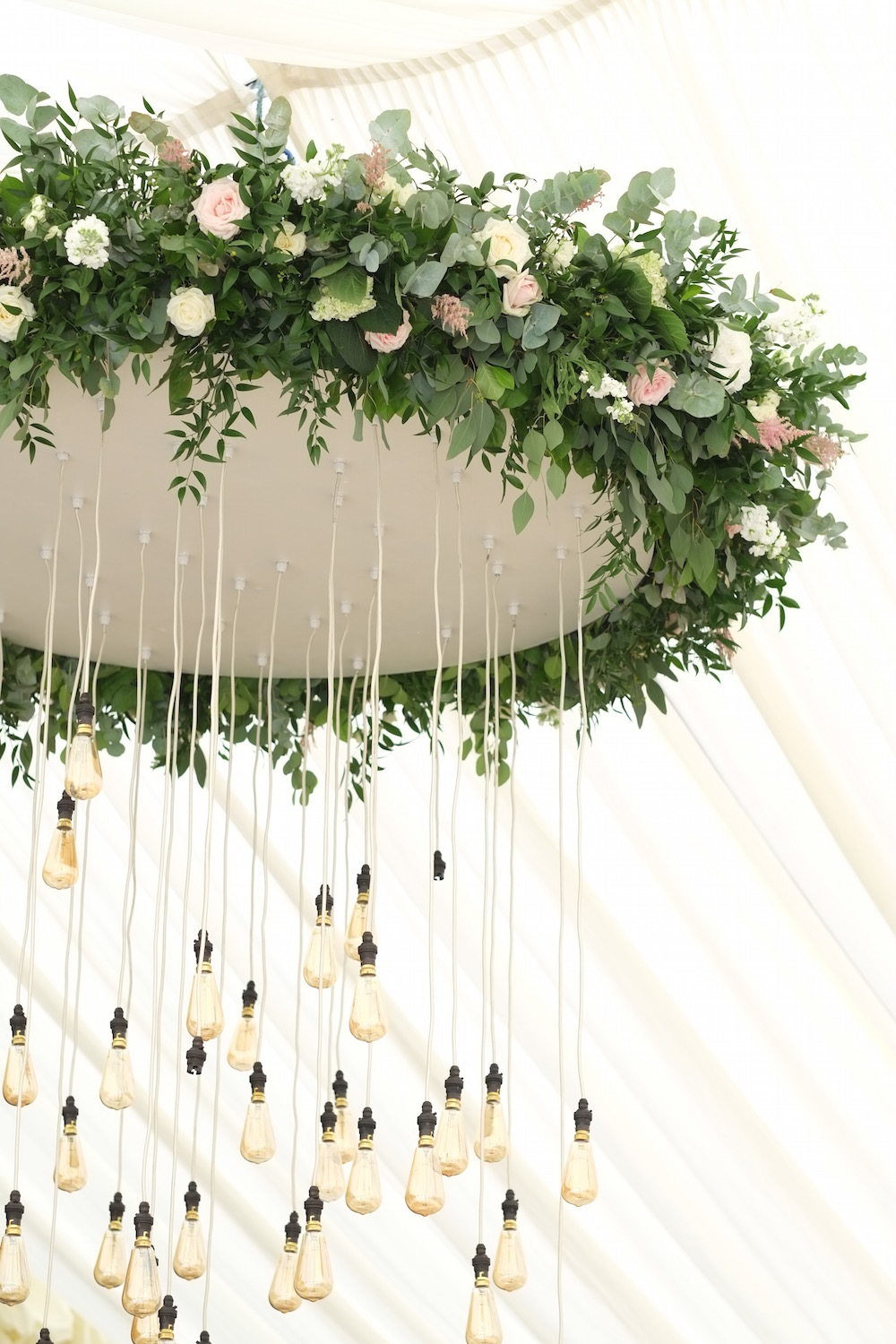 wedding-flower-chandelier.JPG
