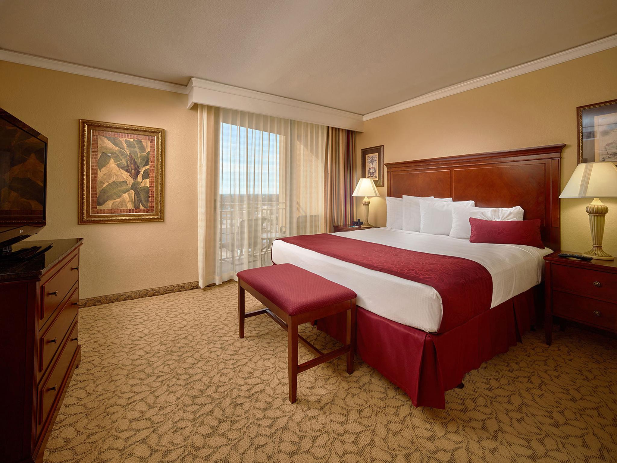 Standard King Plaza View Room