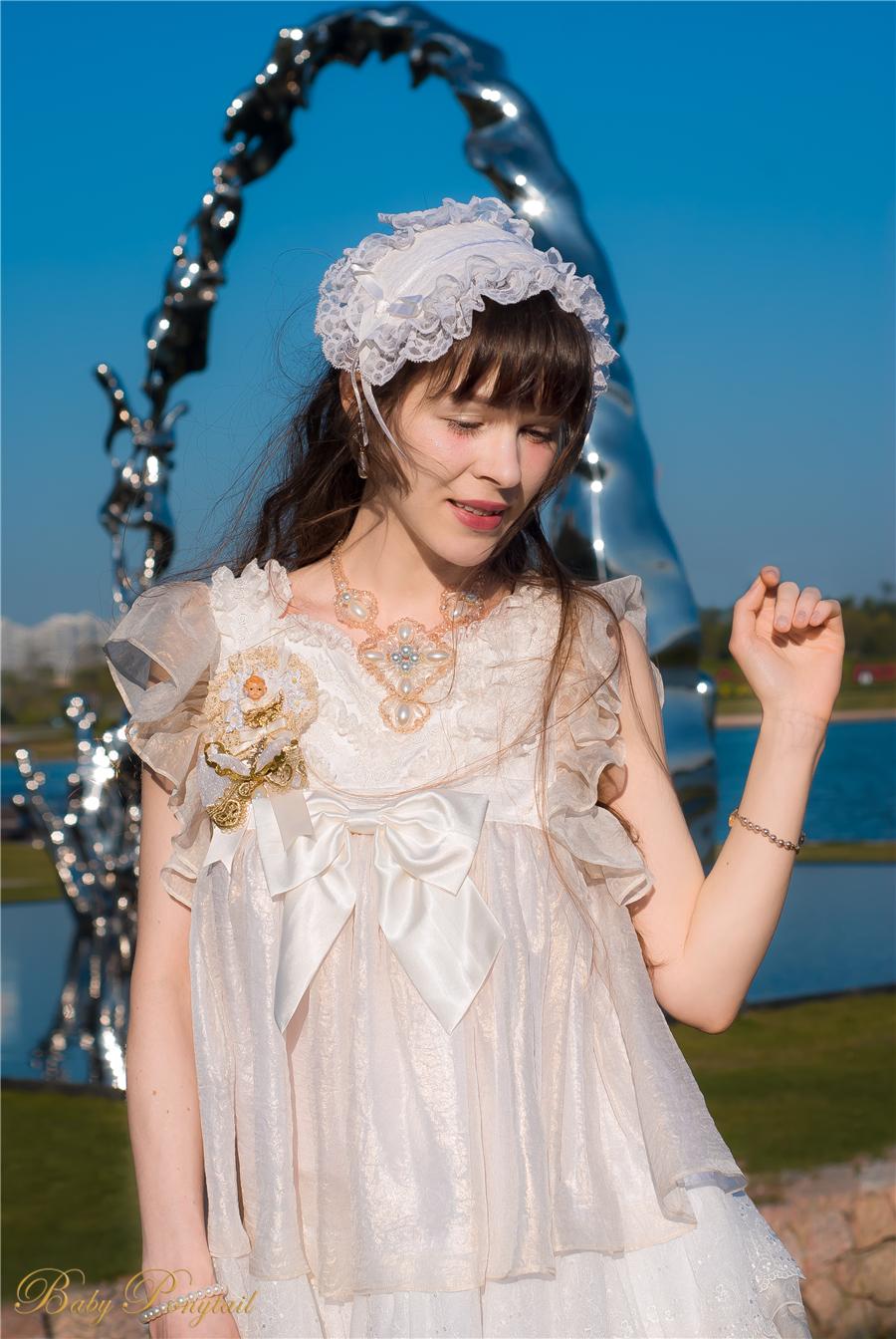 BabyPonytail_modelclaudia_Present Angel White JSK park03.jpg