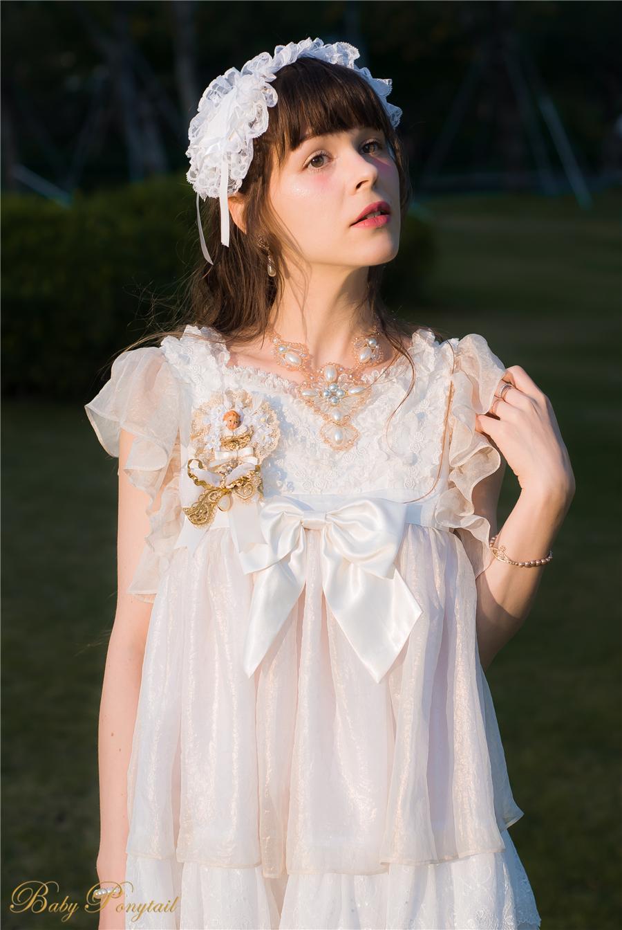 BabyPonytail_modelclaudia_Present Angel White JSK park11.jpg