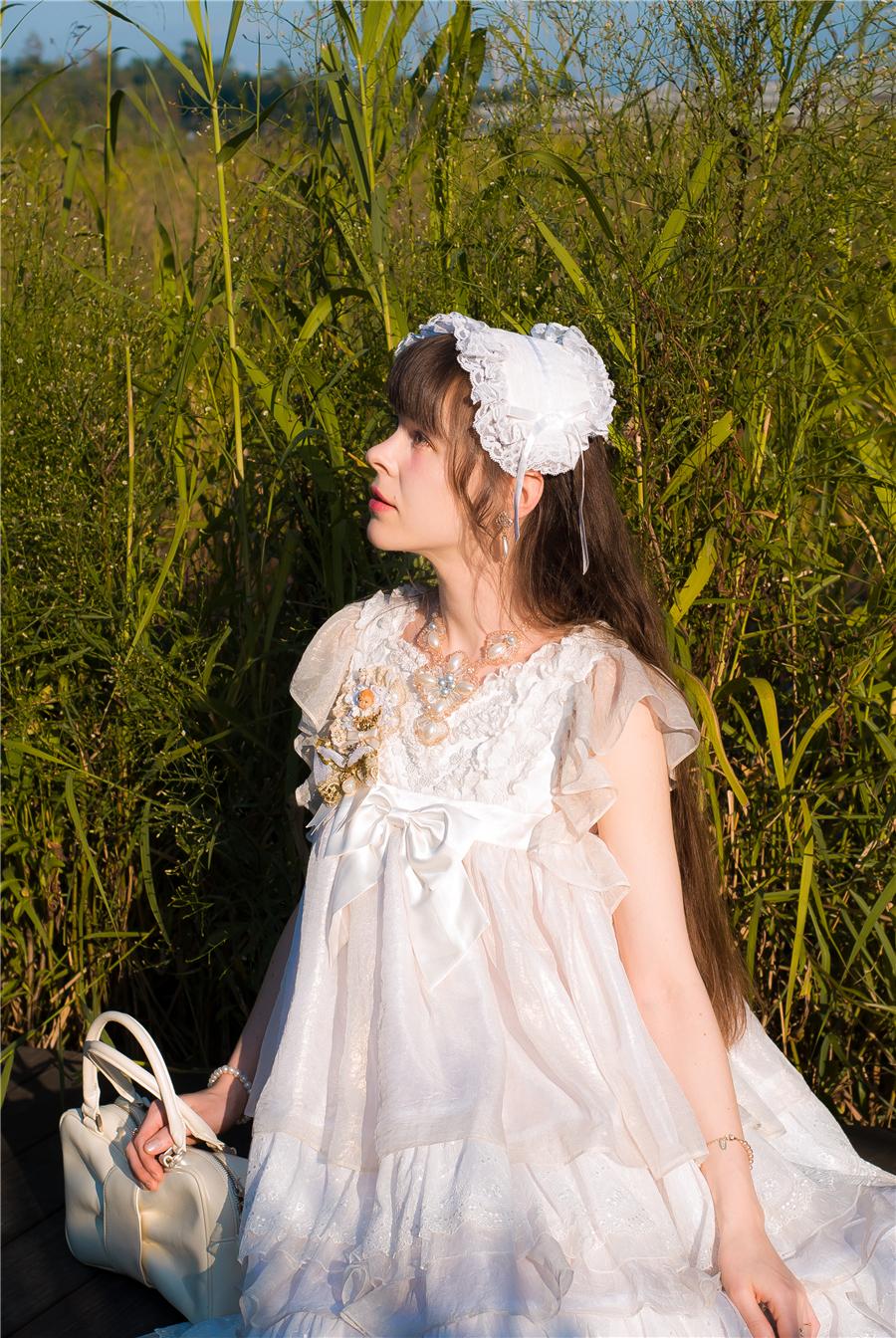 BabyPonytail_modelclaudia_Present Angel White JSK park04.jpg
