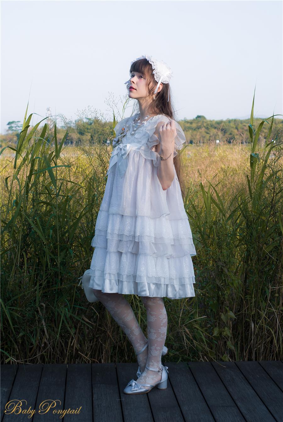 BabyPonytail_modelclaudia_Present Angel White JSK park06.jpg