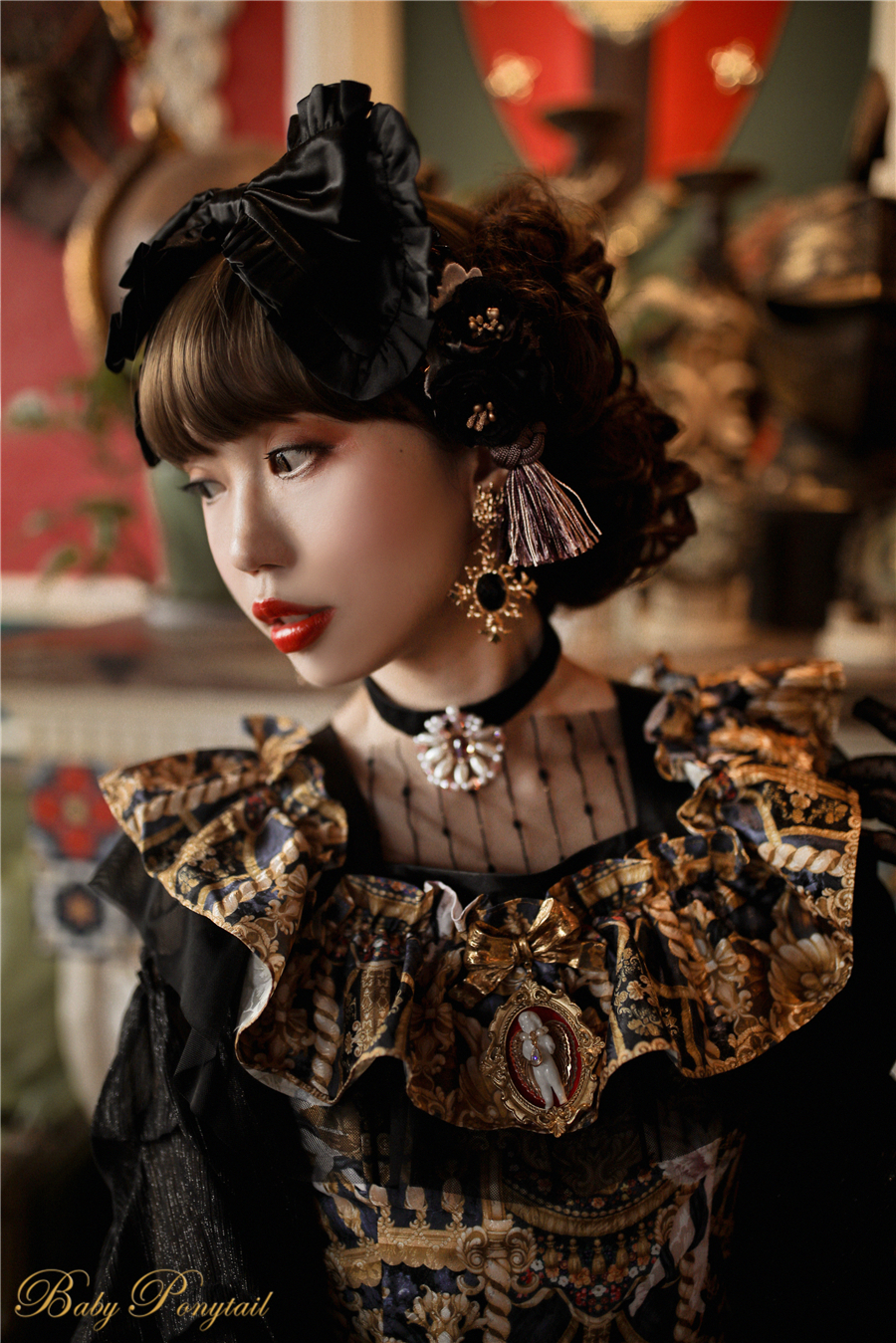 Babyponytail_Model_Ruffle Collar JSK_Black Present Angel_Kaka_18.jpg