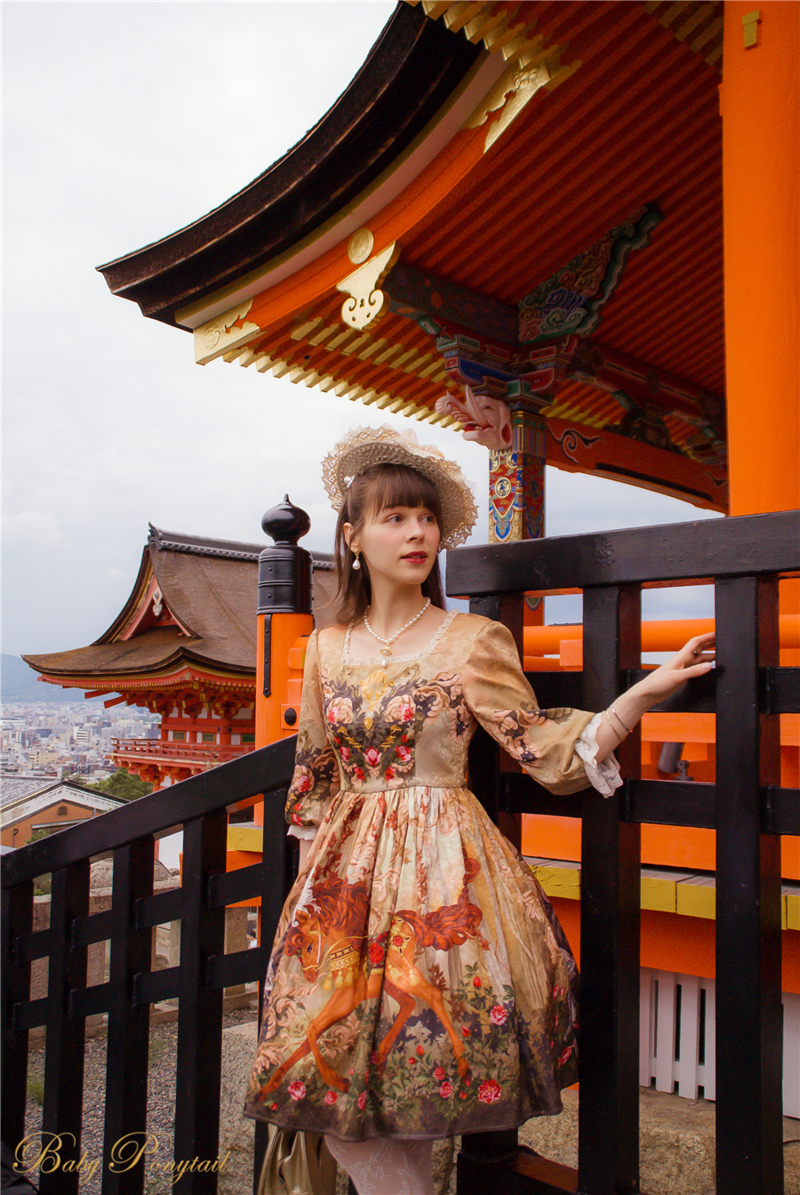 BabyPonytail_Rose Battle_Model Photo_OP Amber_Claudia_02.jpg