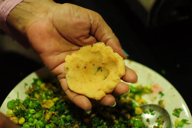 Make a small shallow cup like shape with the potatoes