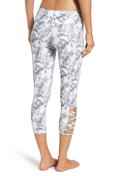 New Year New Gear Workout Clothes - Leggings | Living Minnaly4.jpg