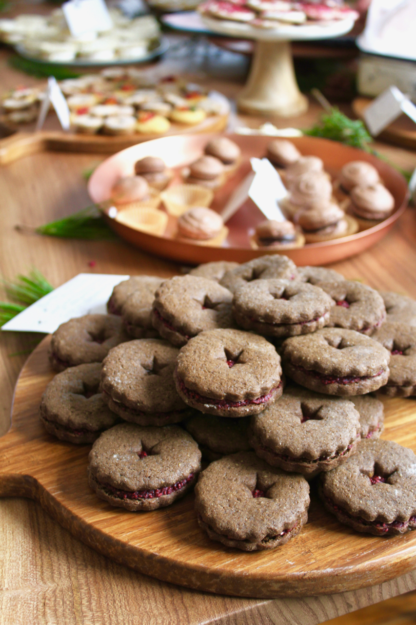 Bob's Red Mill x Feedfeed Gingerbread Cookie Sandwiches w Cranberry Chia Jam - 4.jpg