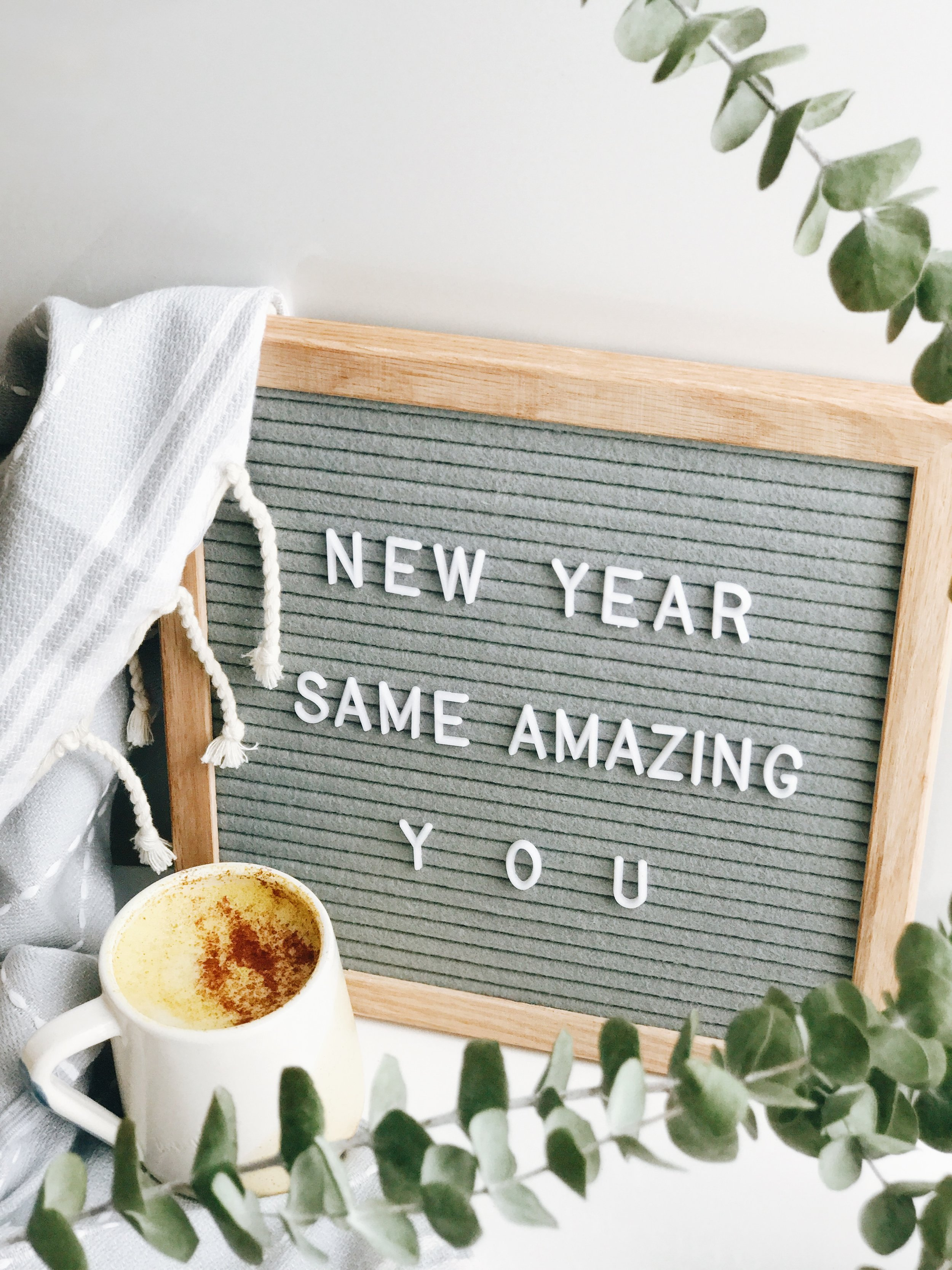 New Year, Same Amazing You- 2017 in Review___2.jpg