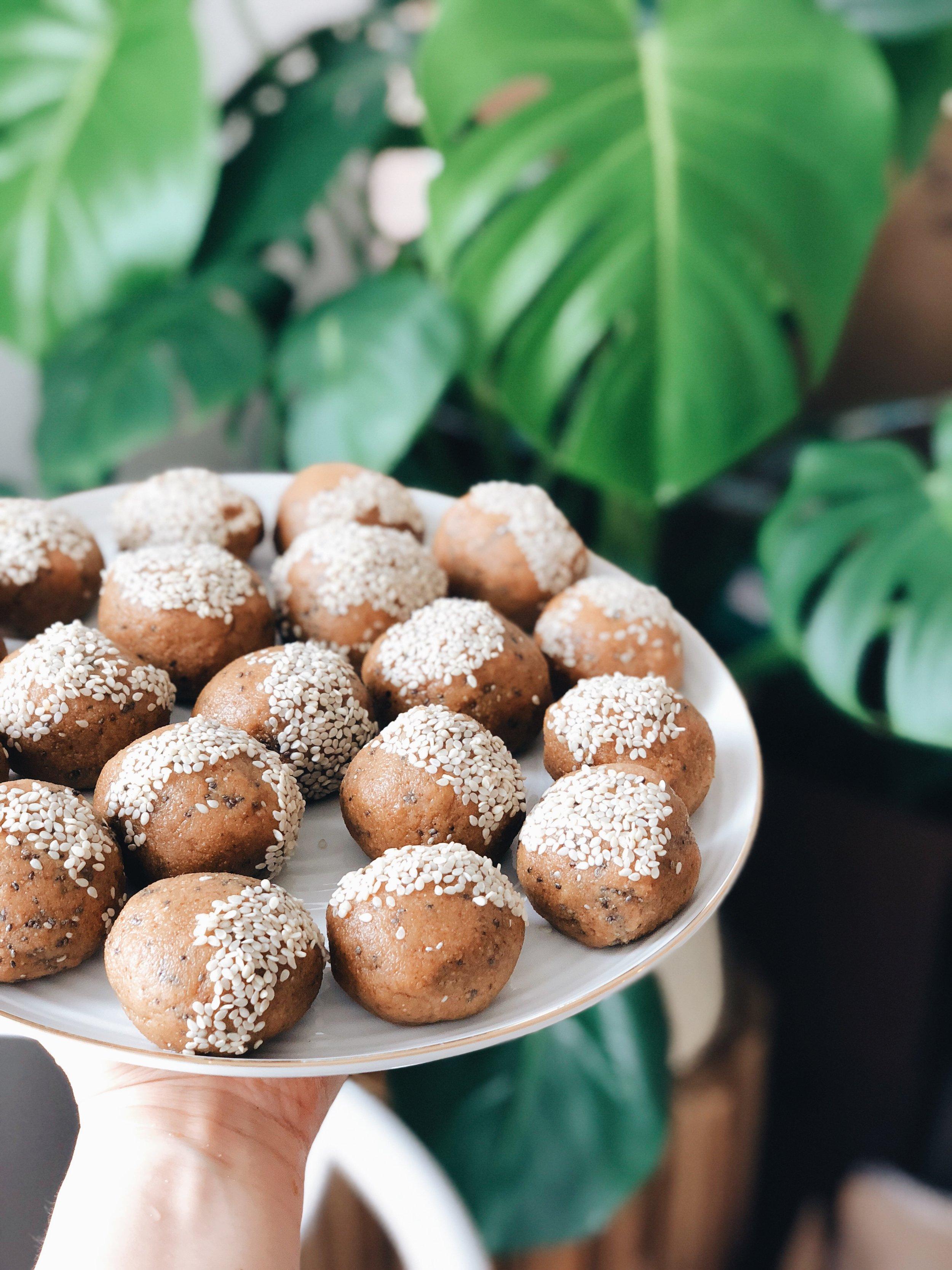 Sesame Tahini Walnut Fat Balls | Living Minnaly _1.jpg