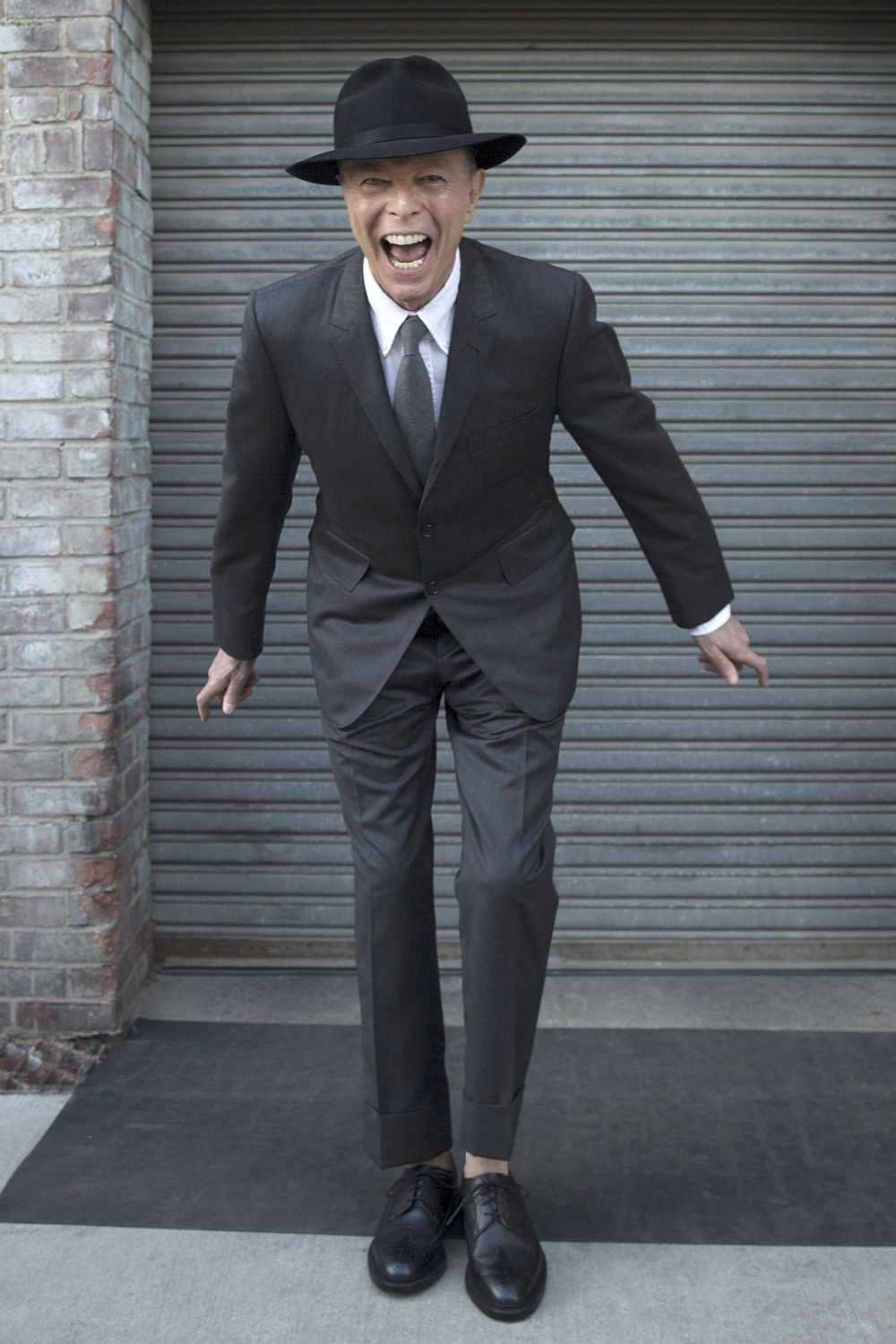 David-Bowie-suit-2016.jpg