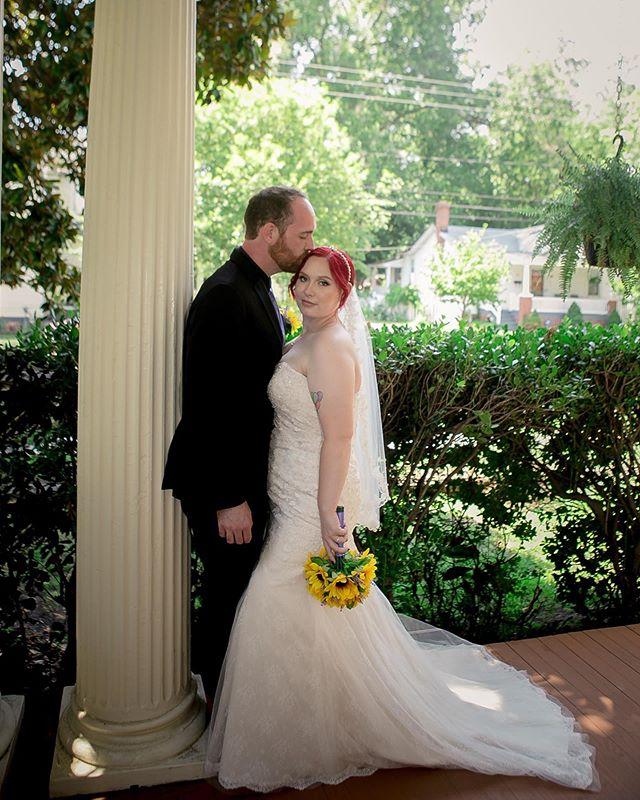 Just married. 🌻 . . . . . . . . . . . #newlyweds #magnolia #magnoliahouseinn #bridalhair #weddingdress #vawedding #redhair #virginiaweddings #justmarried