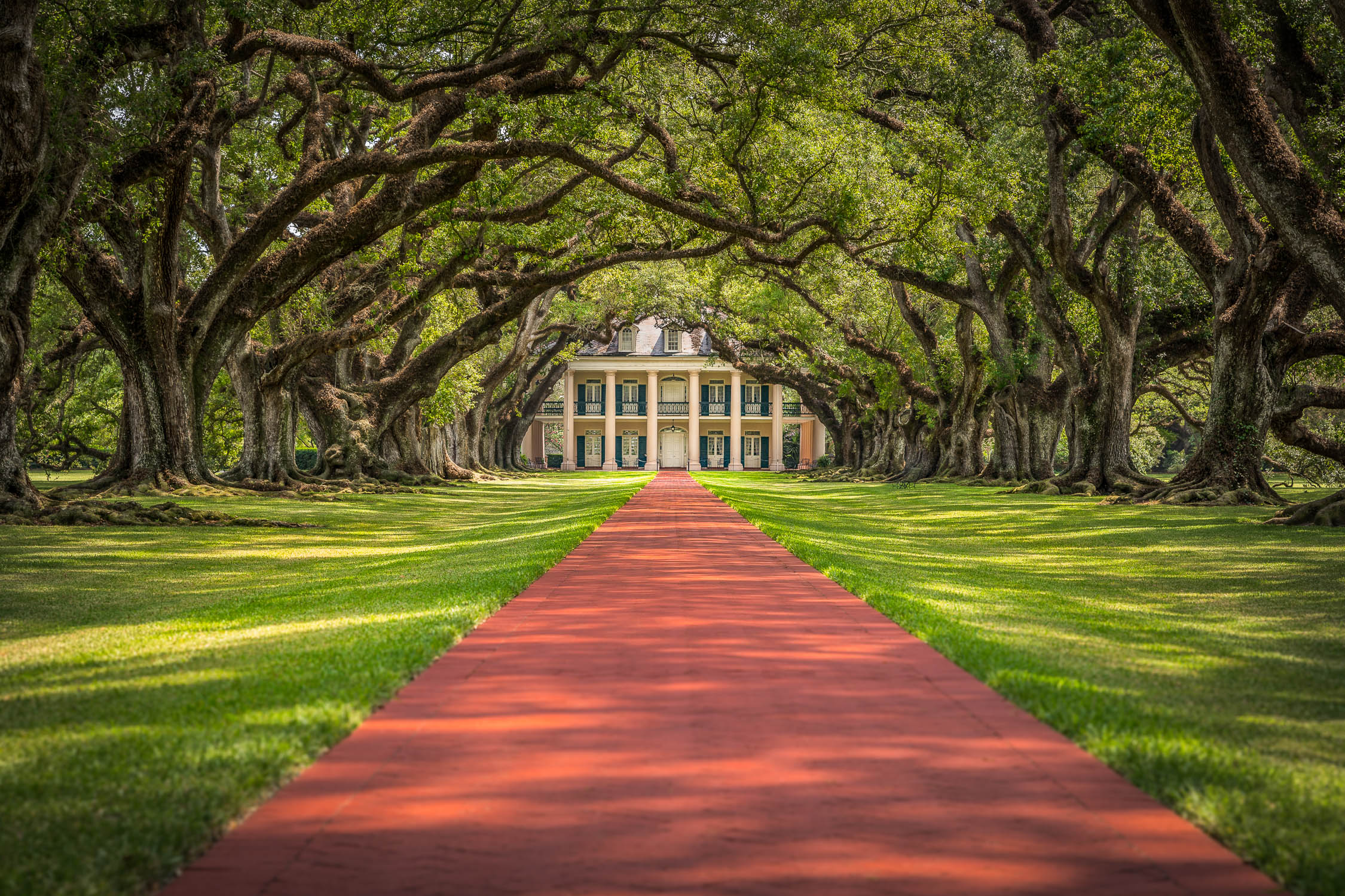 Oak Alley Plantation, 3645 Highway 18 (Great River Road) Vacherie, Louisiana.