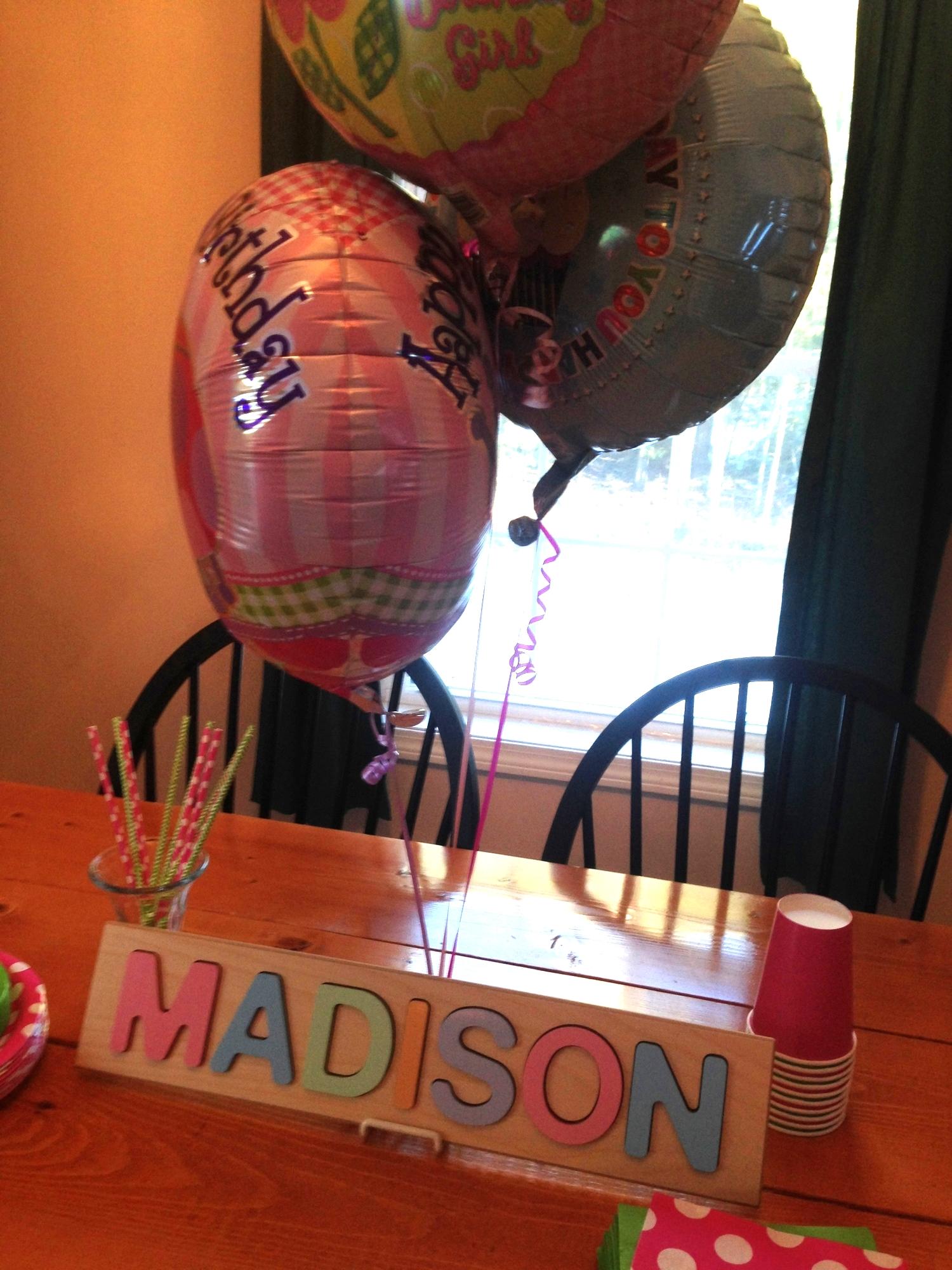 Simple 1st birthday decorations