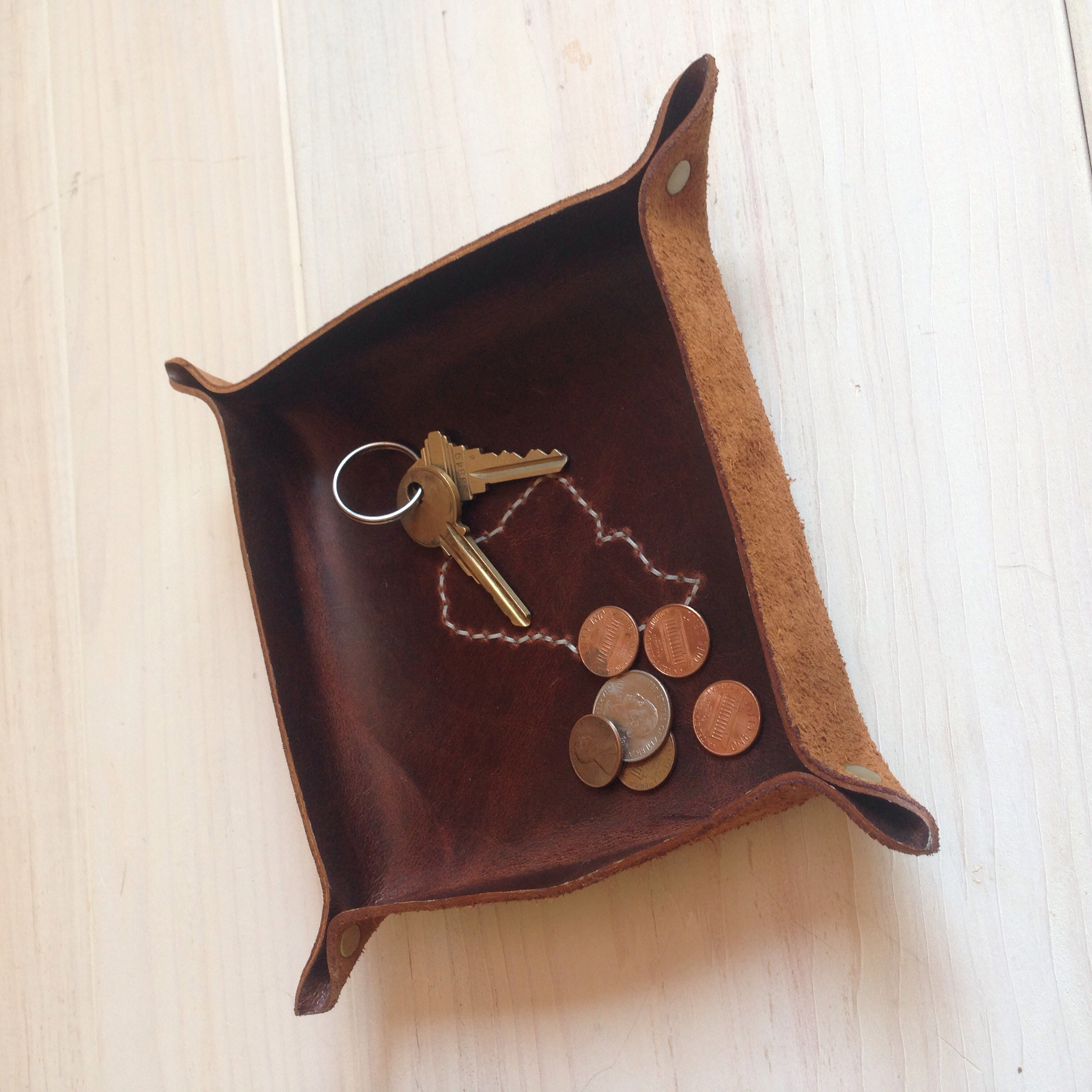 Maine Leather Co.'s catch-all tray