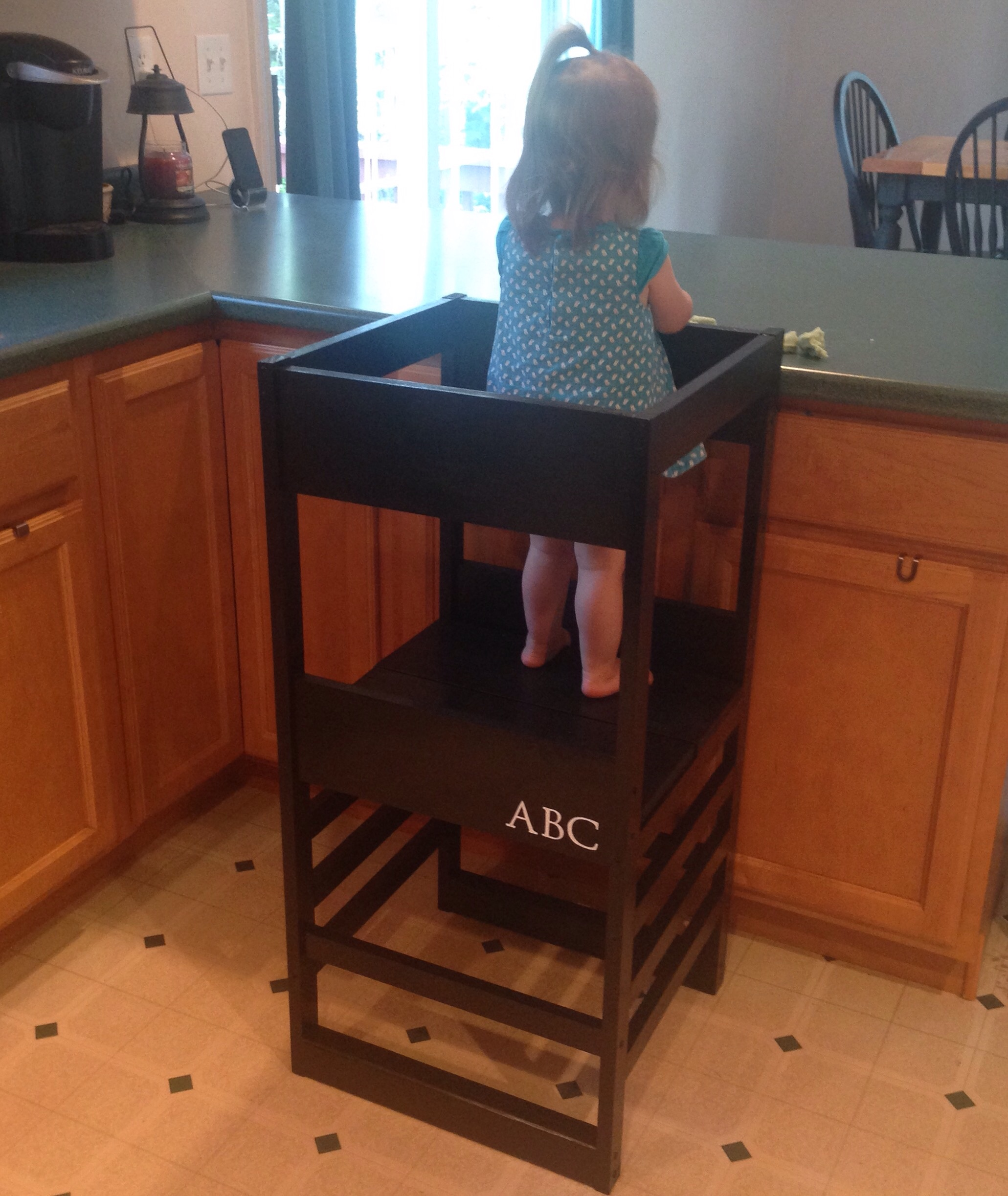 Using the Learning Tower / Kitchen Helper