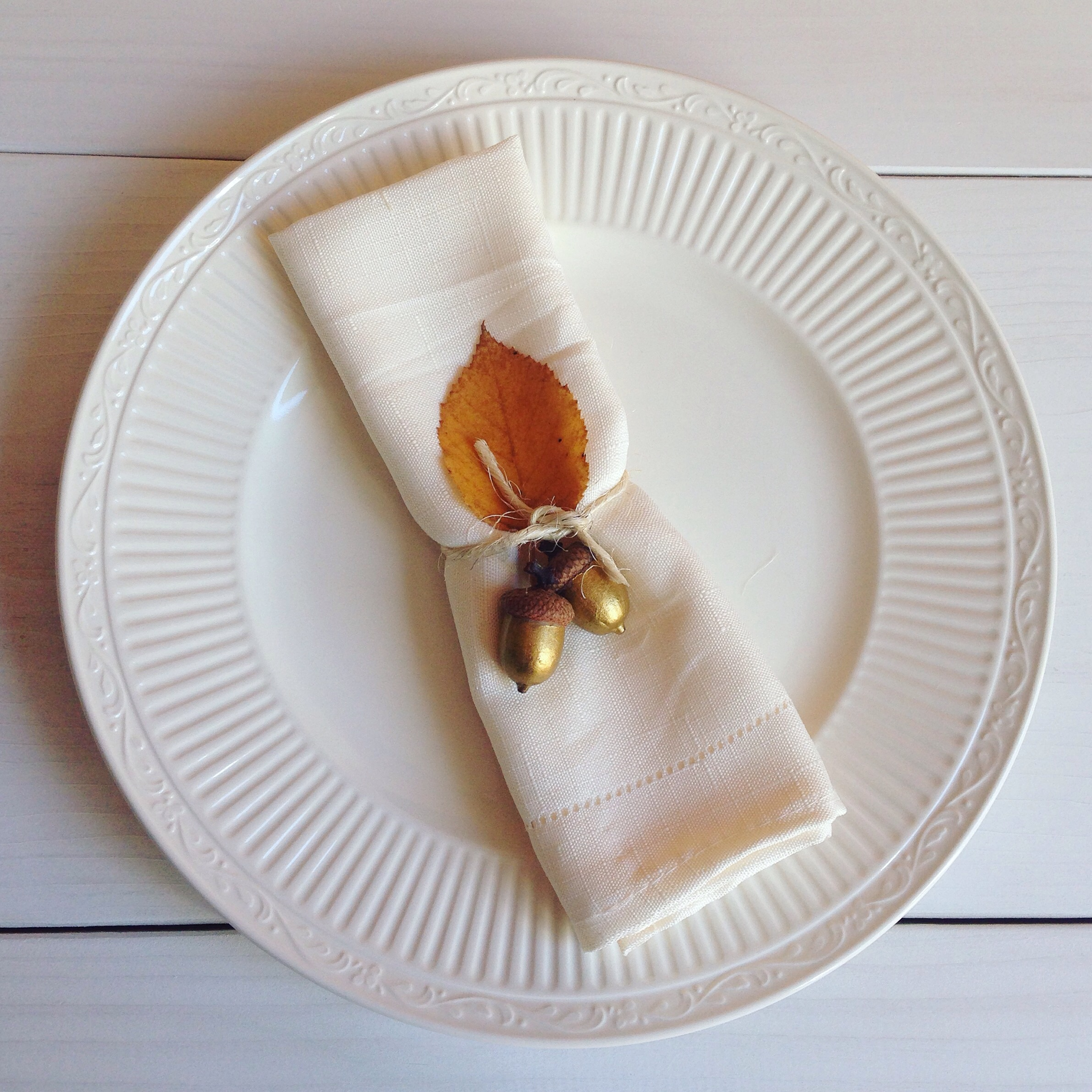 Birch Landing Home's beautiful Thanksgiving place setting