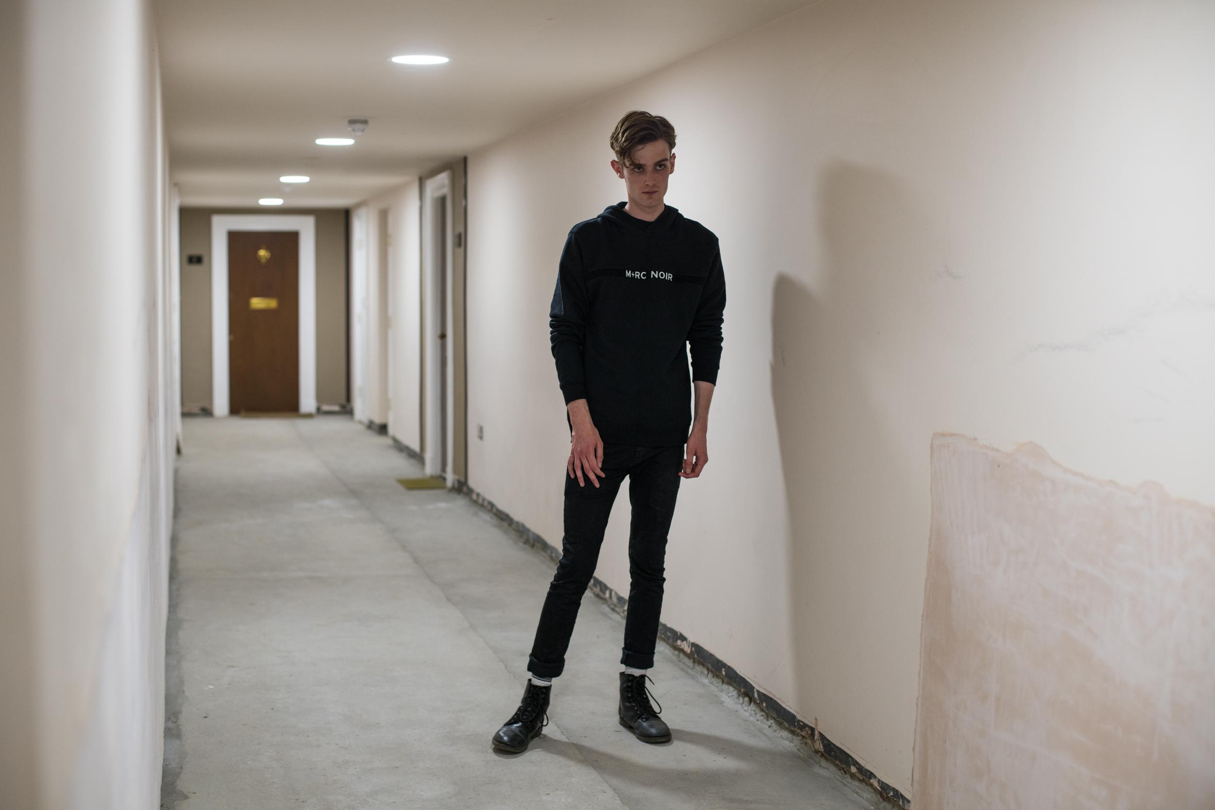 Declan: Marché Noir