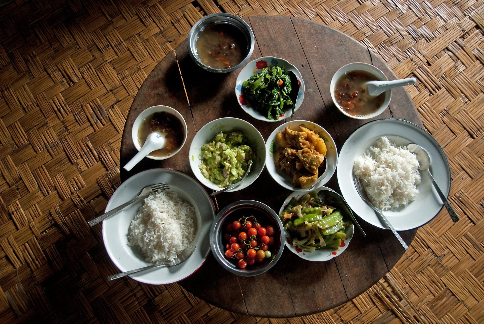 Burmese_cuisine.jpg