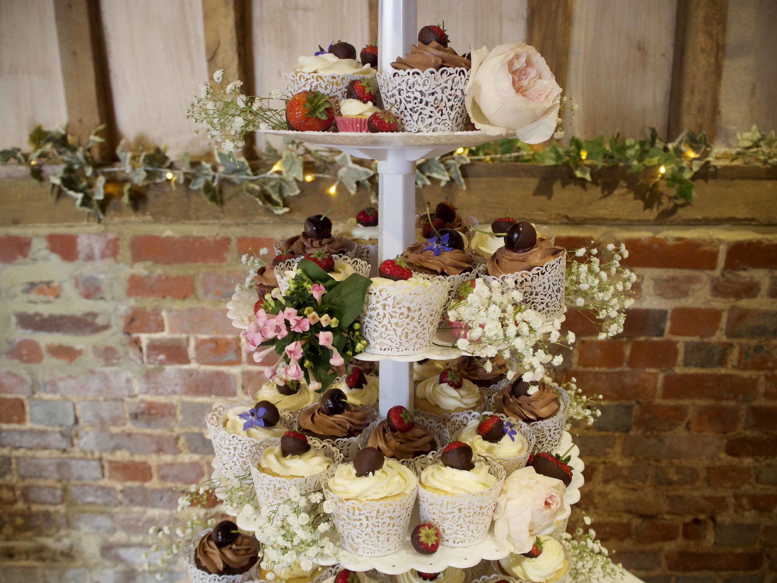 wedding cupcakes london.jpg