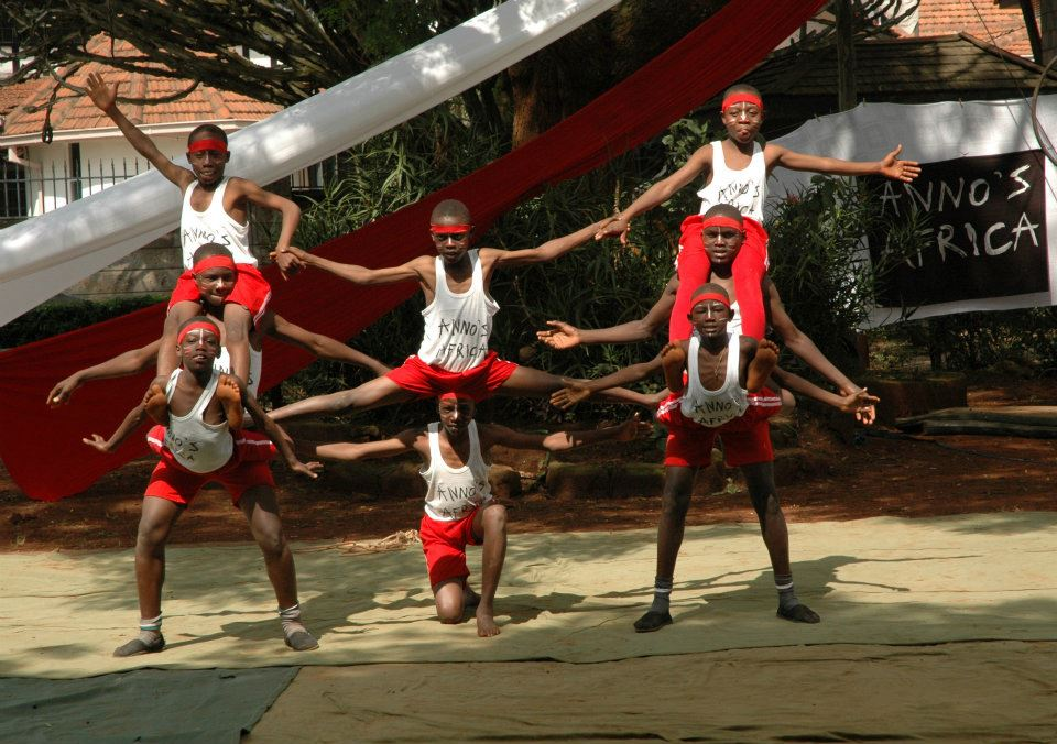 Circs acrobats Mathare.jpg