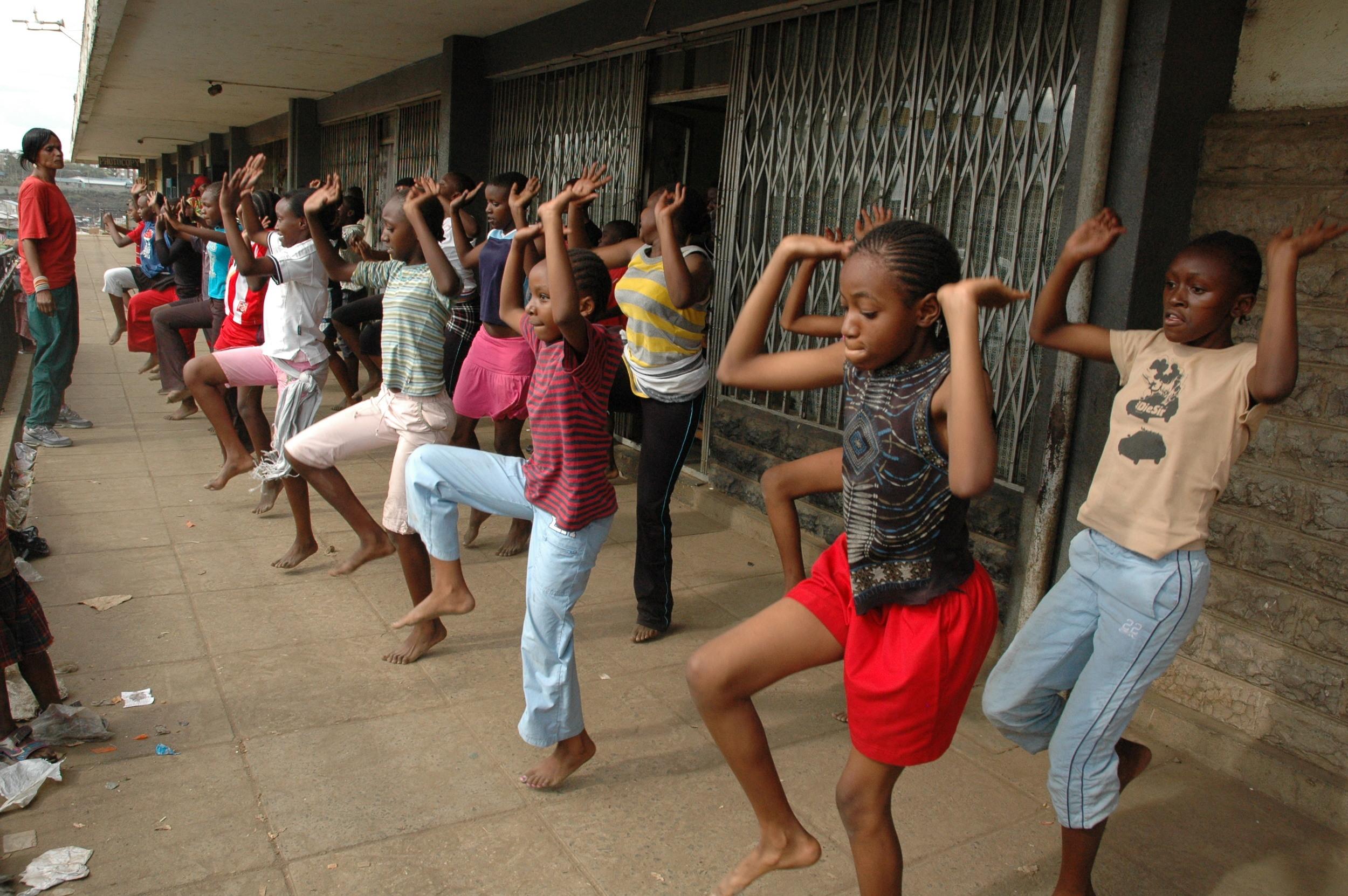 Dance - traditional - Mathare.JPG
