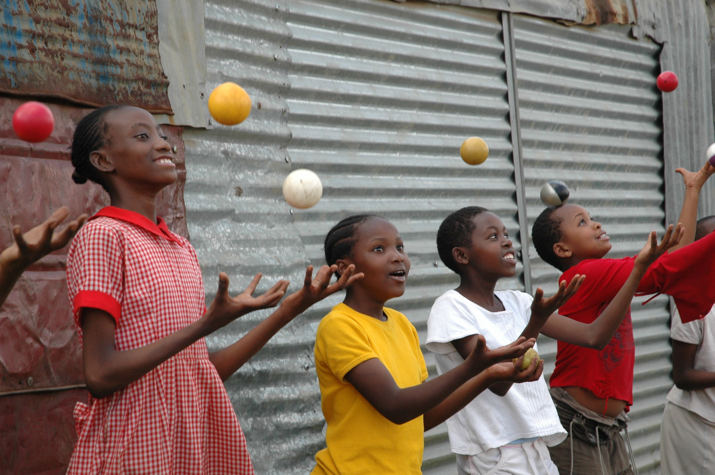 CIRCUS STUDENTS SOON GET TO GRIPS WITH JUGGLING!