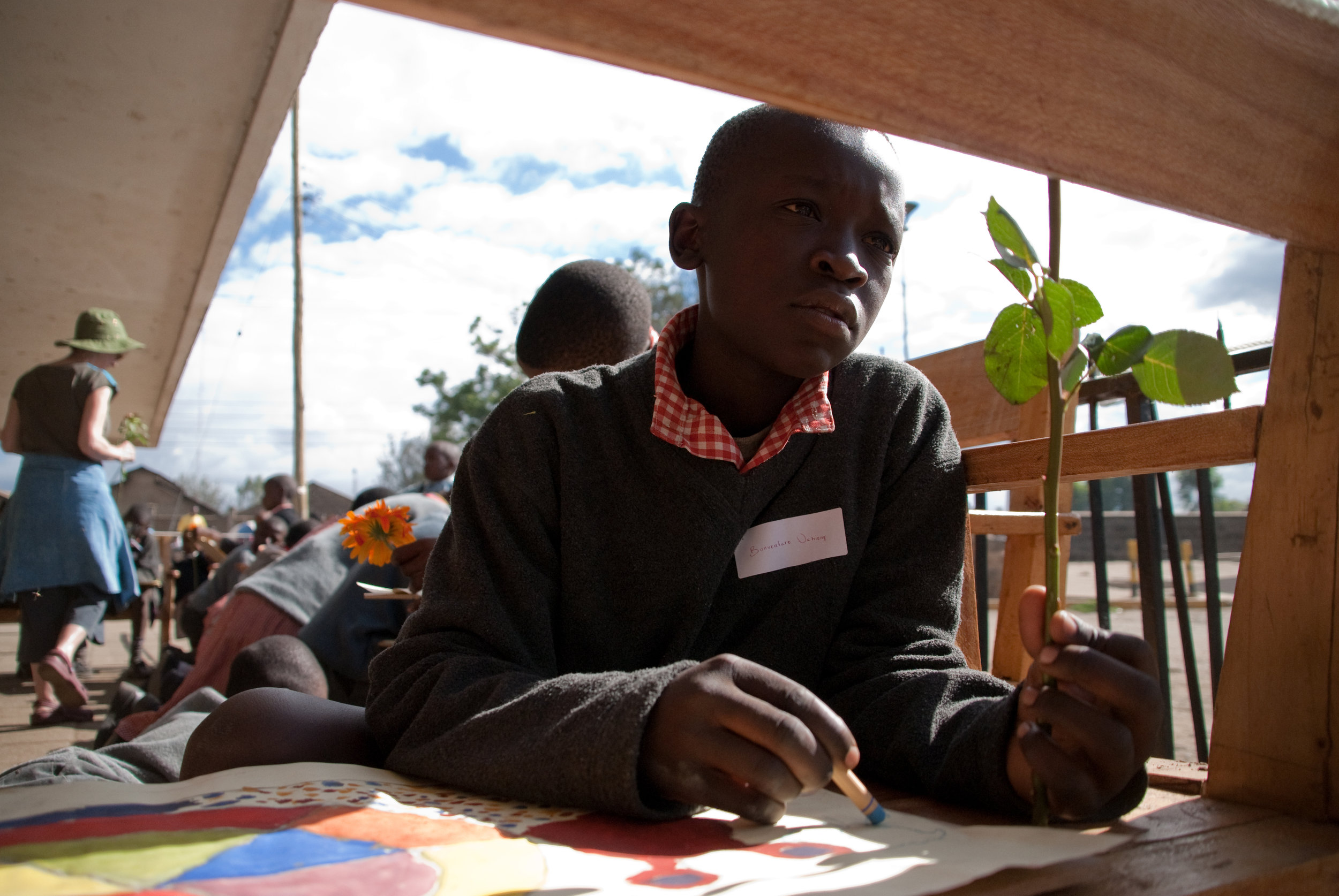 AN ADVANCED ART CLASS IN MATHARE SKETCH IN PASTELS