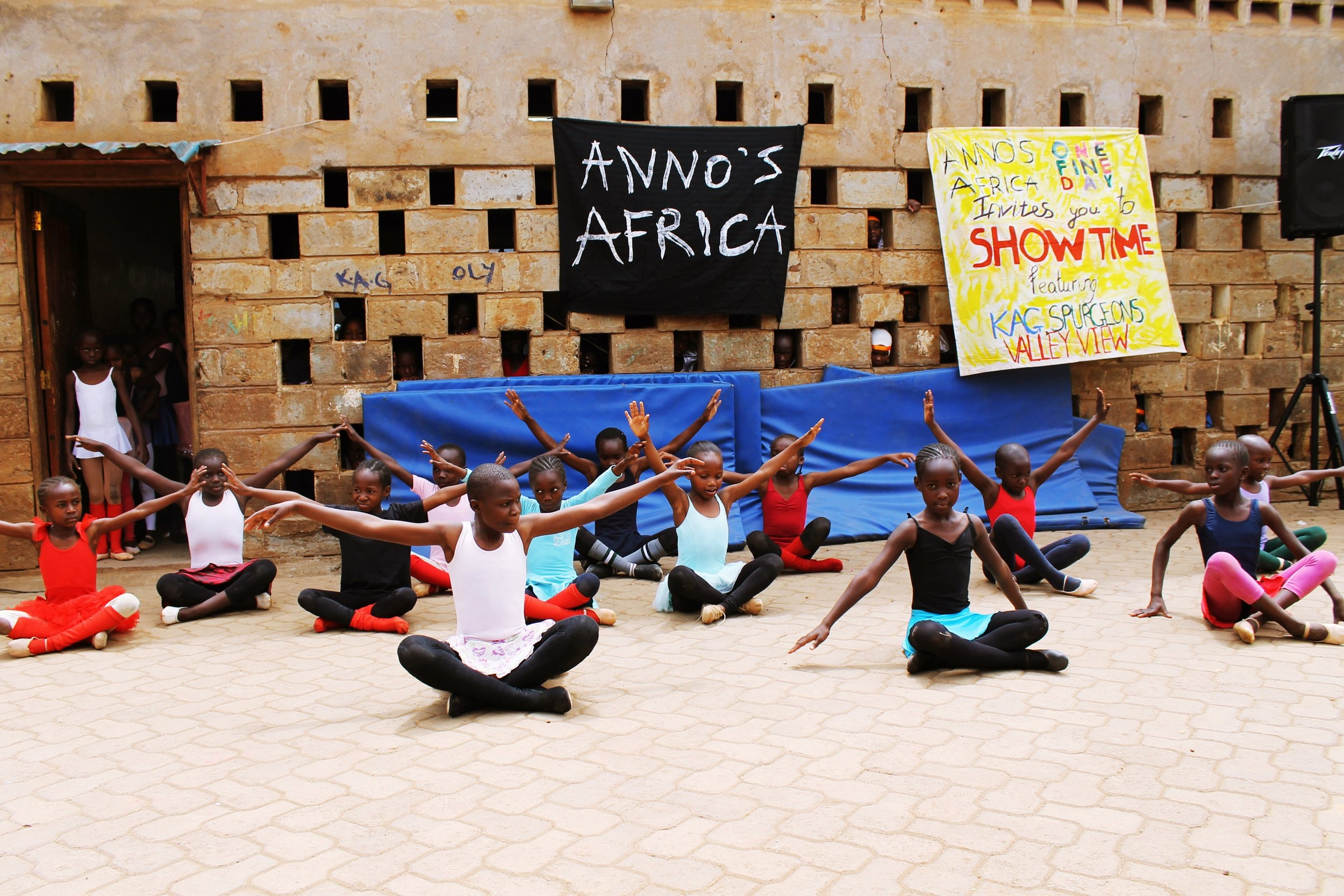 End of year shows in Nairobi - Children from two schools - KAG and Spurgeons - participated in this event in Kibera to celebrate the end of the school year. To see photographs of the performance go to Gallery page.
