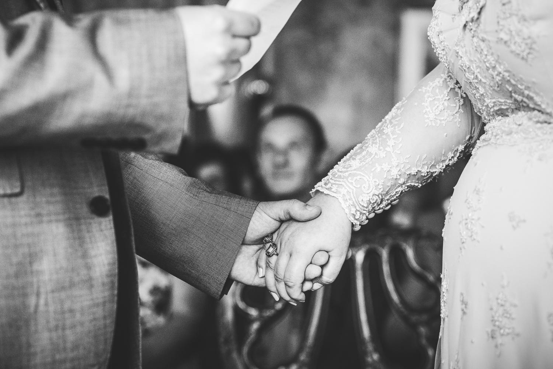Kate_Lee_Brighton_Pavilion_Beach_Wedding-37.jpg