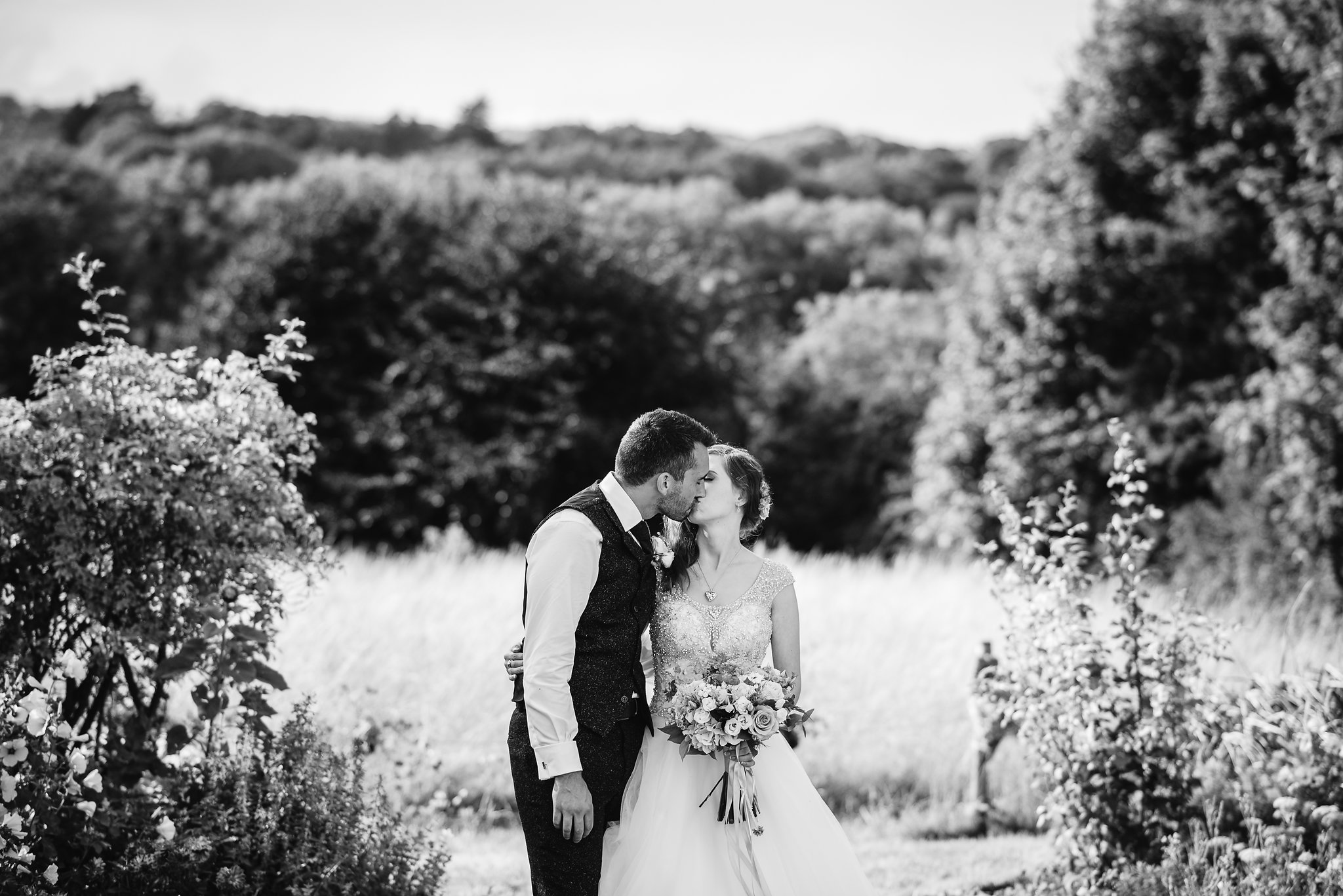 Country_Farm_Barn_Wedding_Kent3.jpg
