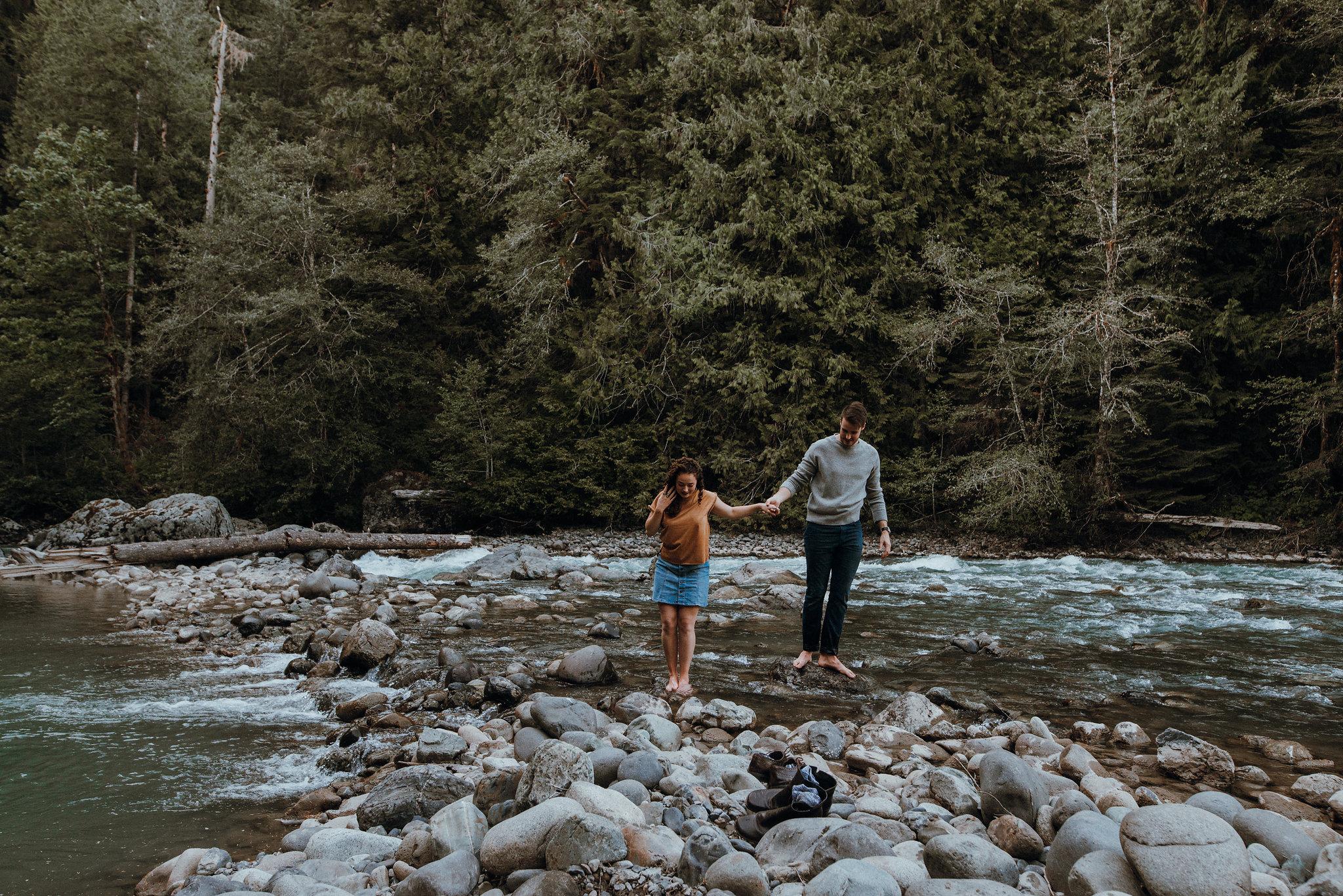 Seattle-Wedding-Photographer-River-Engagement00086.jpg