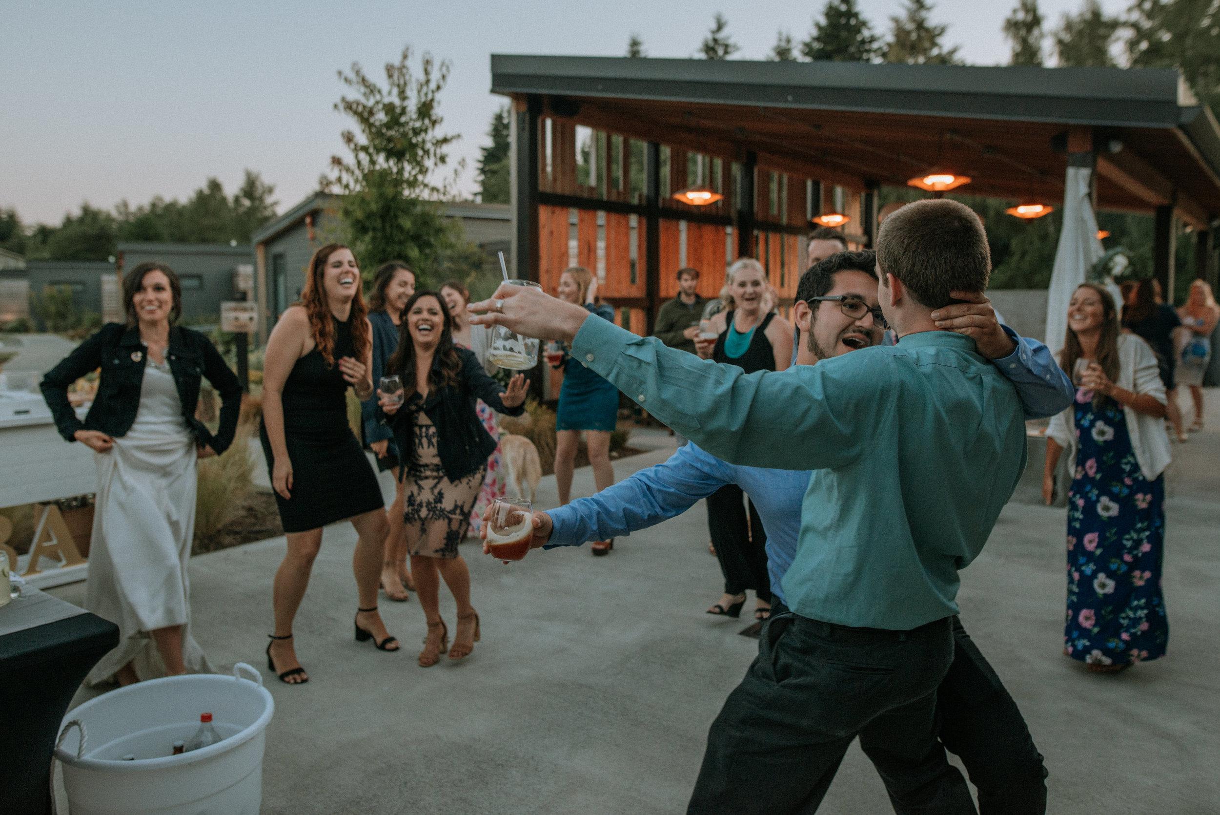 Lodges-at-Vashon-Wedding168.jpg